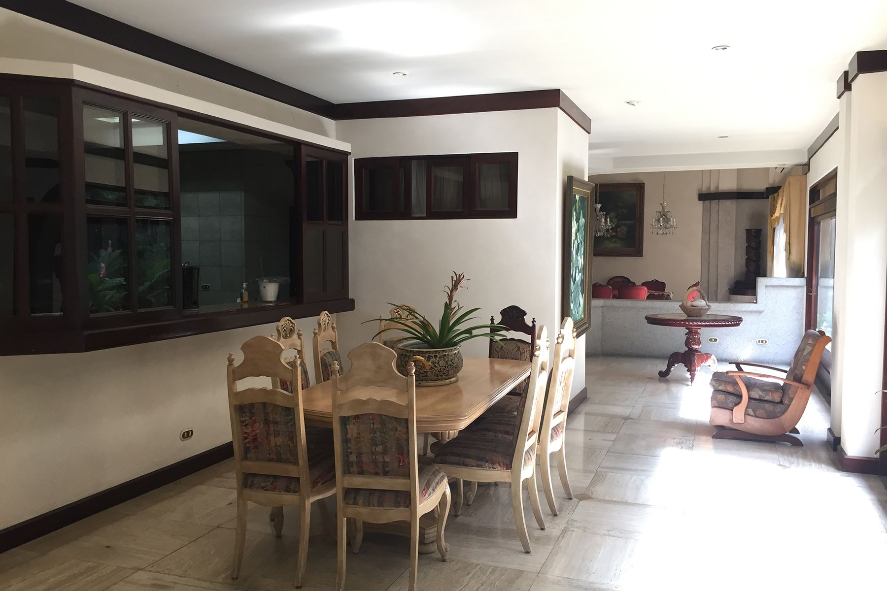 Additional photo for property listing at One Floor Elegant Home in Rohrmoser Rohrmoser, San Jose Costa Rica