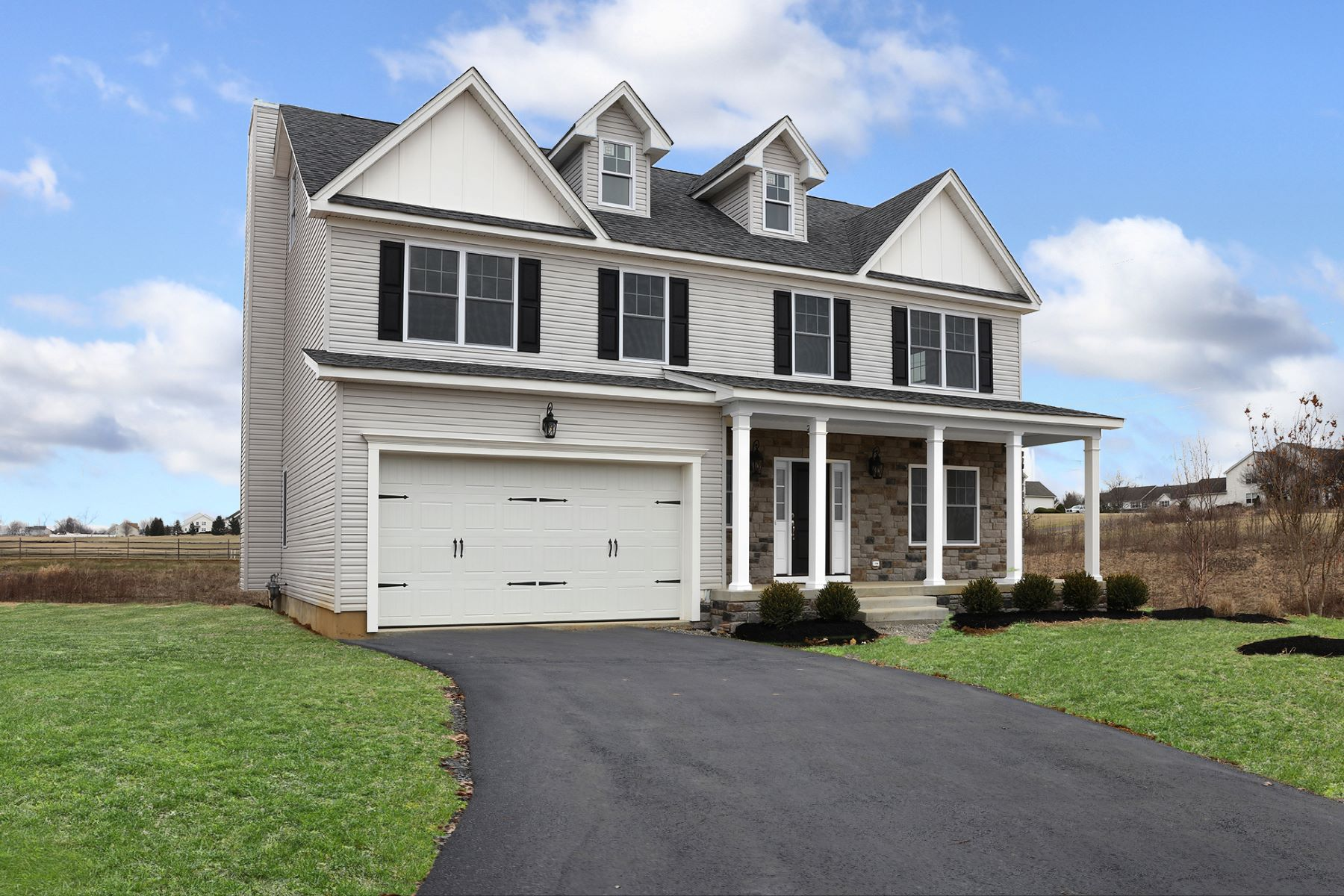 Additional photo for property listing at Expect Nothing But The Best 2435 Liberty Terrace Lot 5, Easton, Pennsylvania 18040 United States