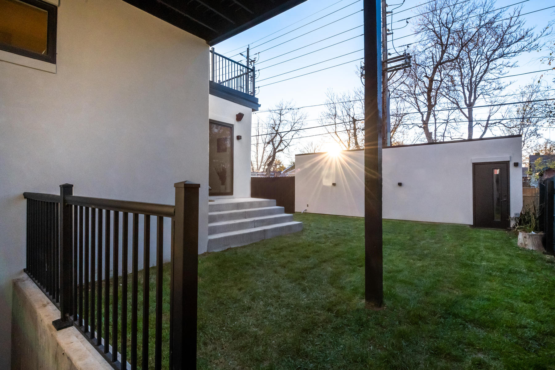 Additional photo for property listing at Completely Remodeled Modern Masterpiece 911 Harrison Street Denver, Colorado 80206 United States