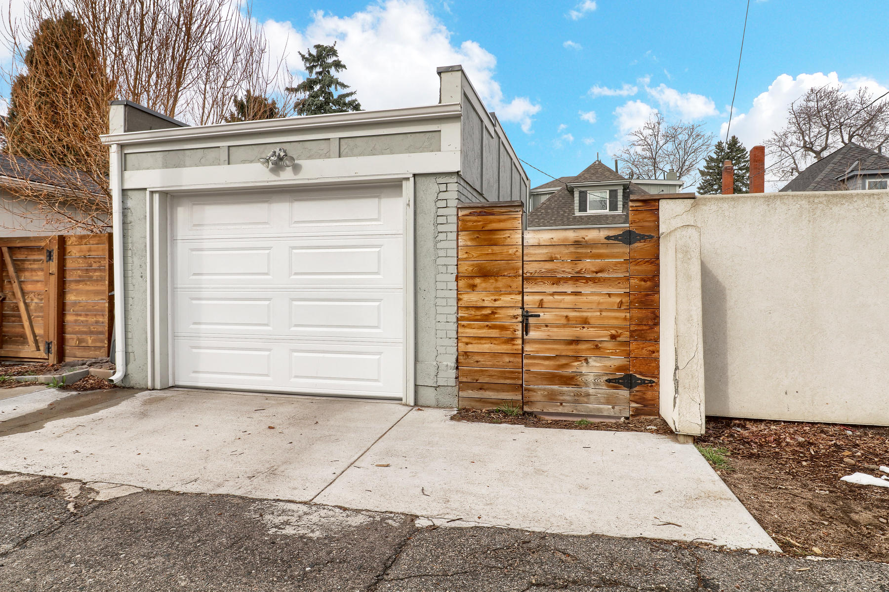 Additional photo for property listing at Charming Bungalow In West Wash Park 664 South Grant Street Denver, Colorado 80209 United States