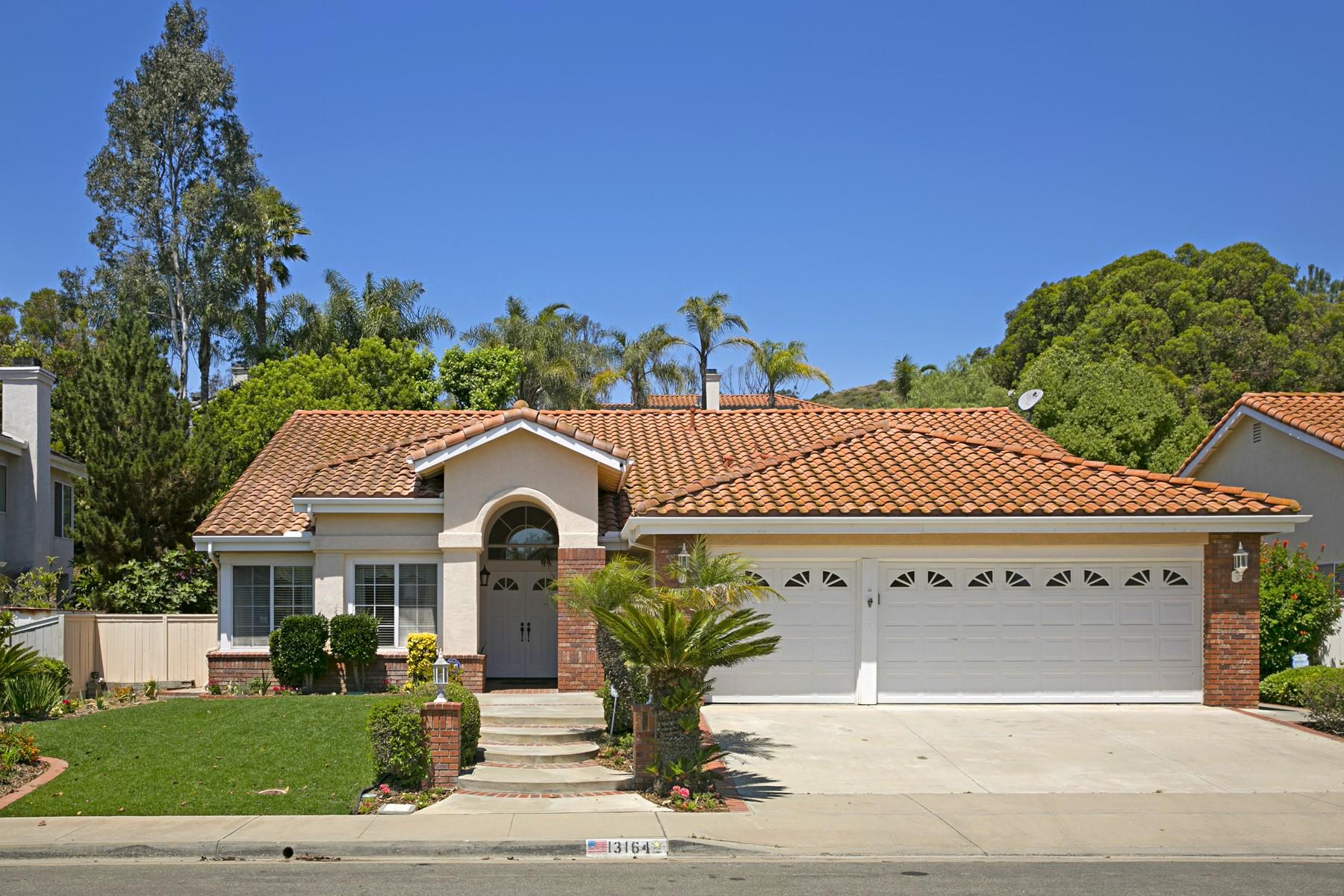 Maison unifamiliale pour l Vente à 13164 Valewood Rd. Poway, Californie, 92064 États-Unis