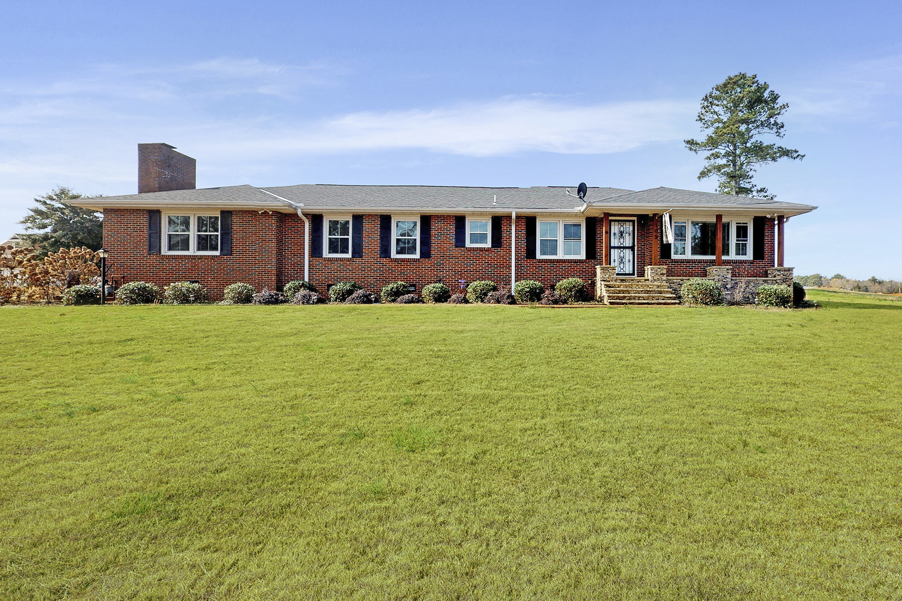 Single Family Homes for Sale at 105 The Bend Drive, ---, Madison, Alabama 35758 United States