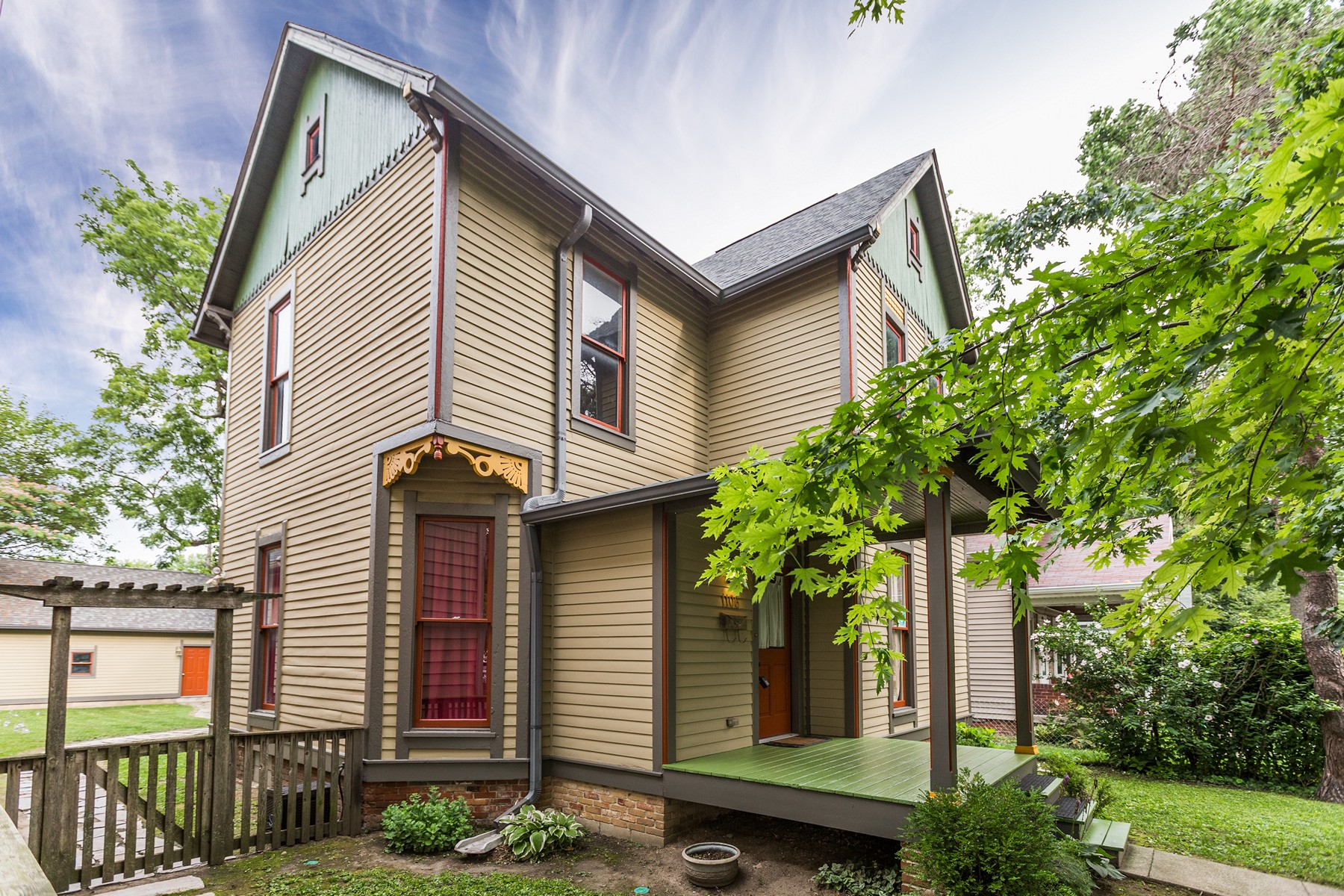 Single Family Home for Sale at 19th Century Refreshed Victorian 1106 Sterling Street Indianapolis, Indiana 46201 United States