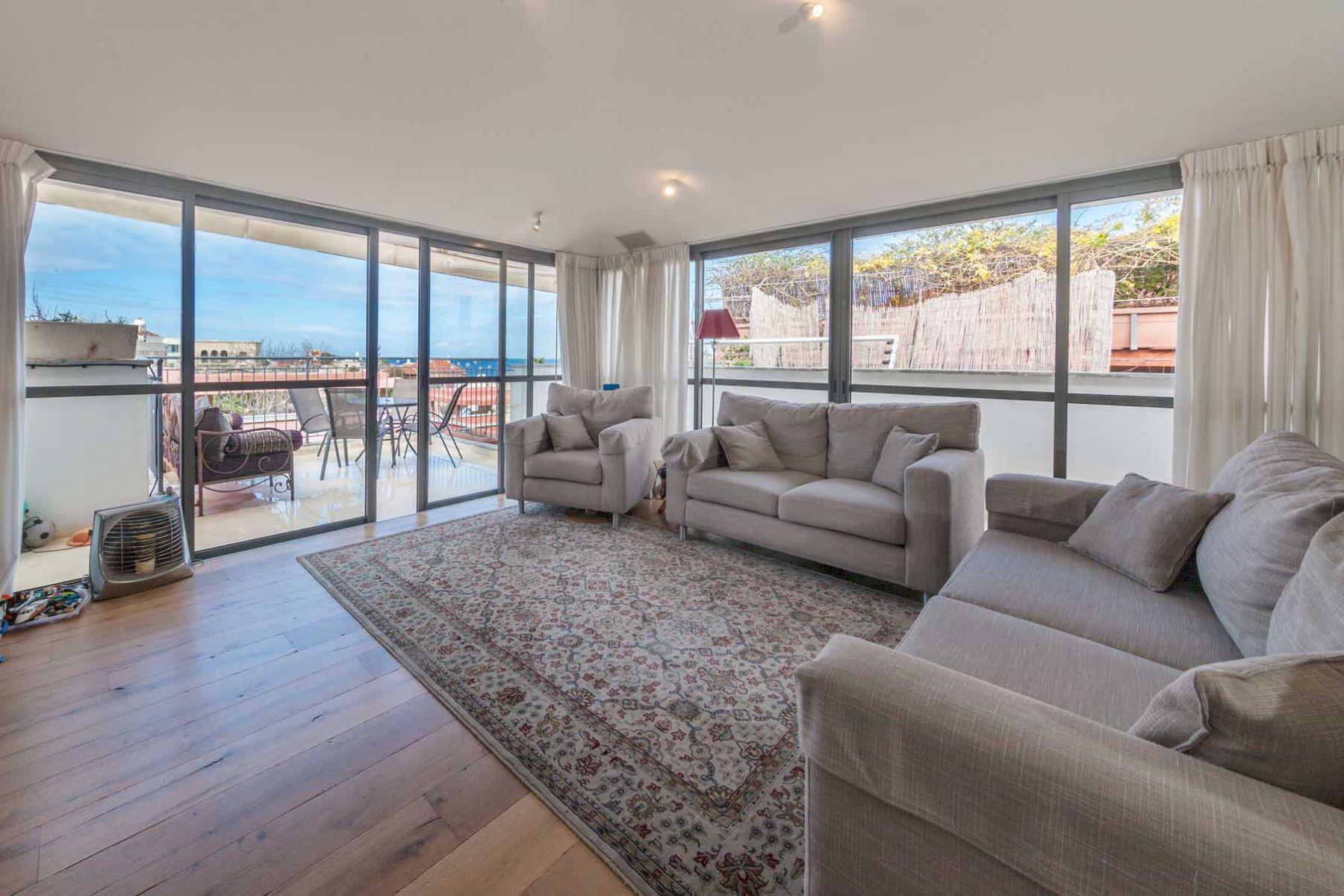 Additional photo for property listing at Distinctive Graceful Duplex in Jaffa Tel Aviv, Israel Israel