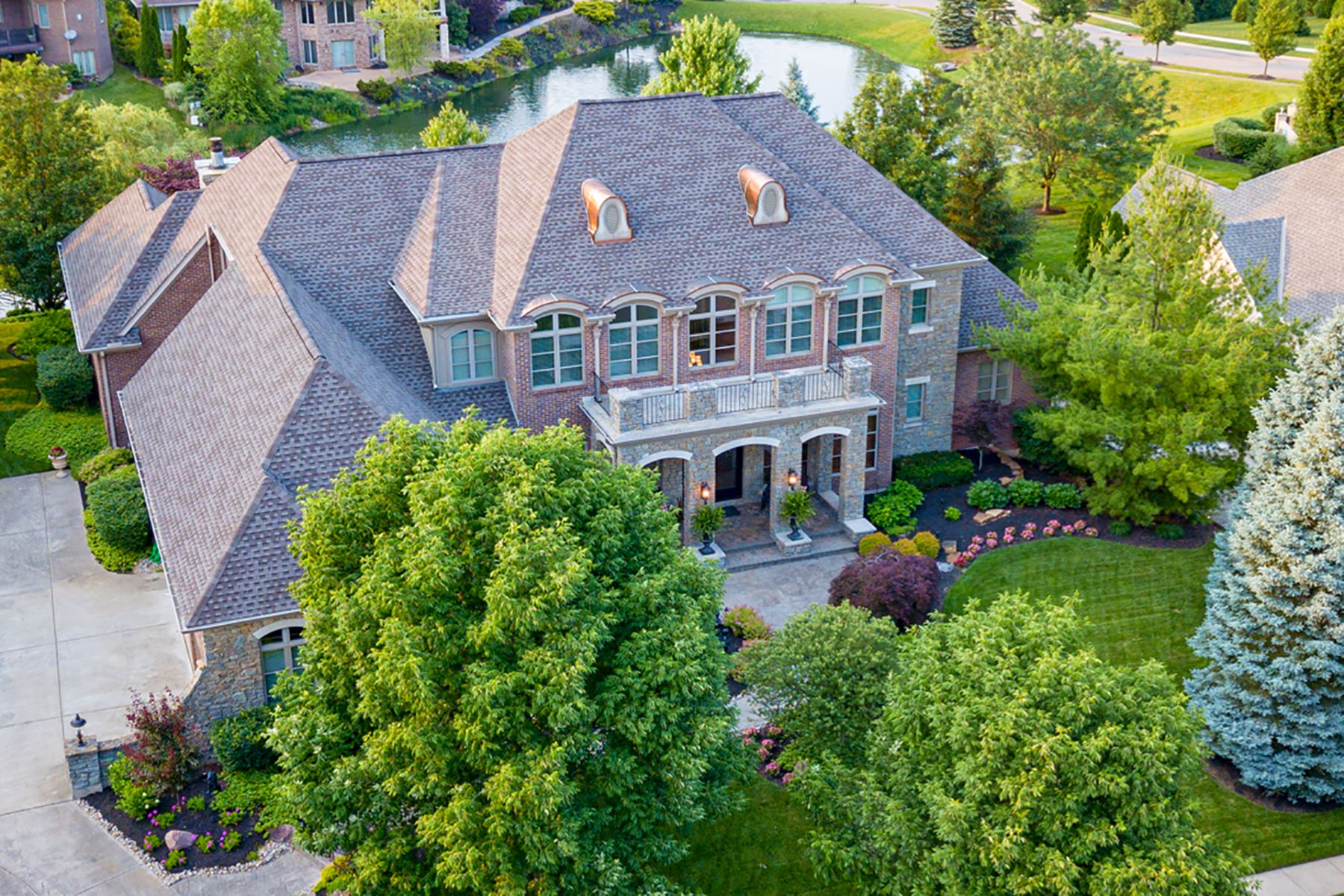 Single Family Homes 为 销售 在 Sophisticated Living at TPC River's Bend 234 Vista Ridge Drive 南莱巴嫩, 俄亥俄州 45065 美国