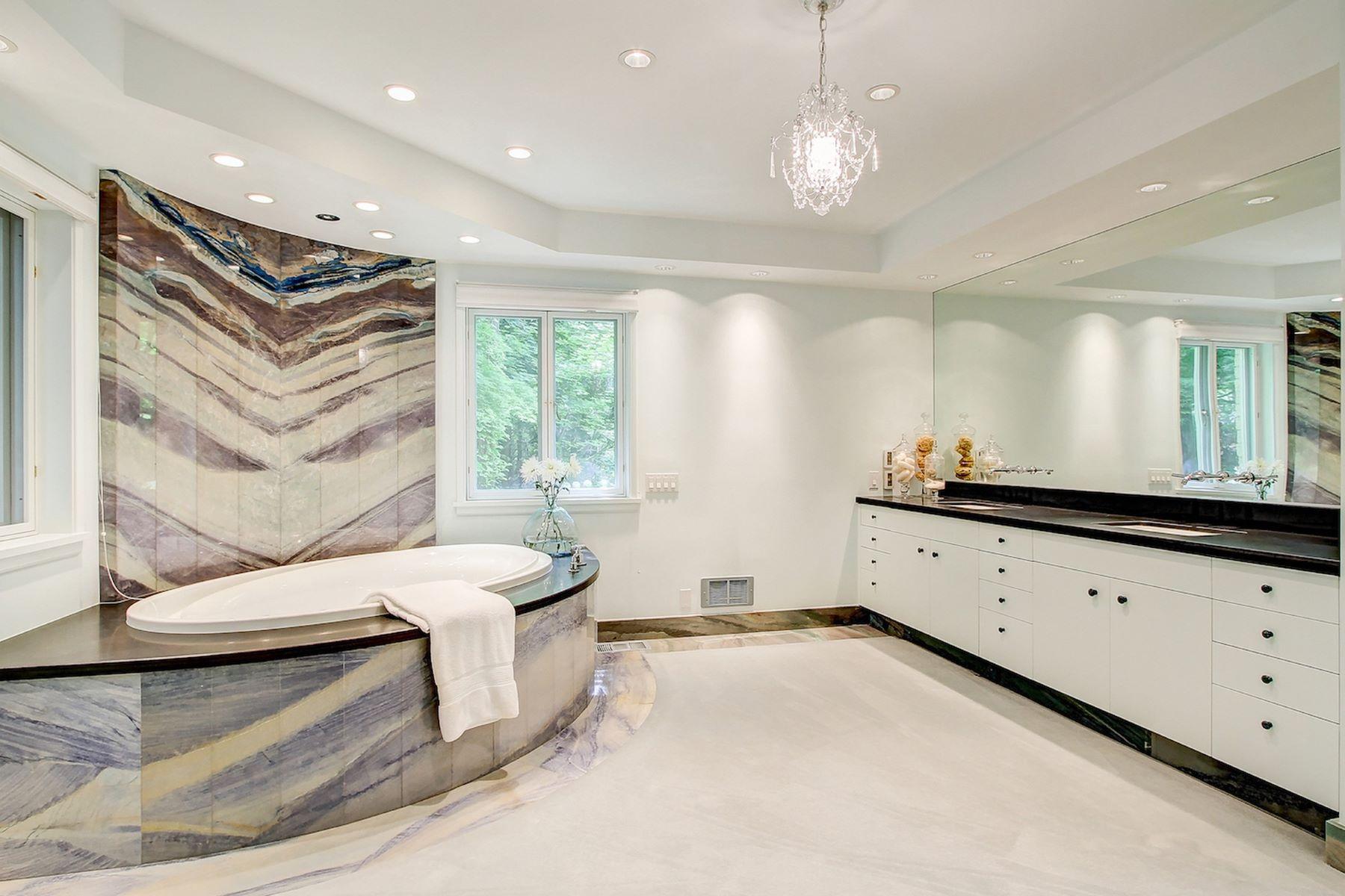 Additional photo for property listing at 103 NW Highland Drive  Shoreline, Washington 98177 United States