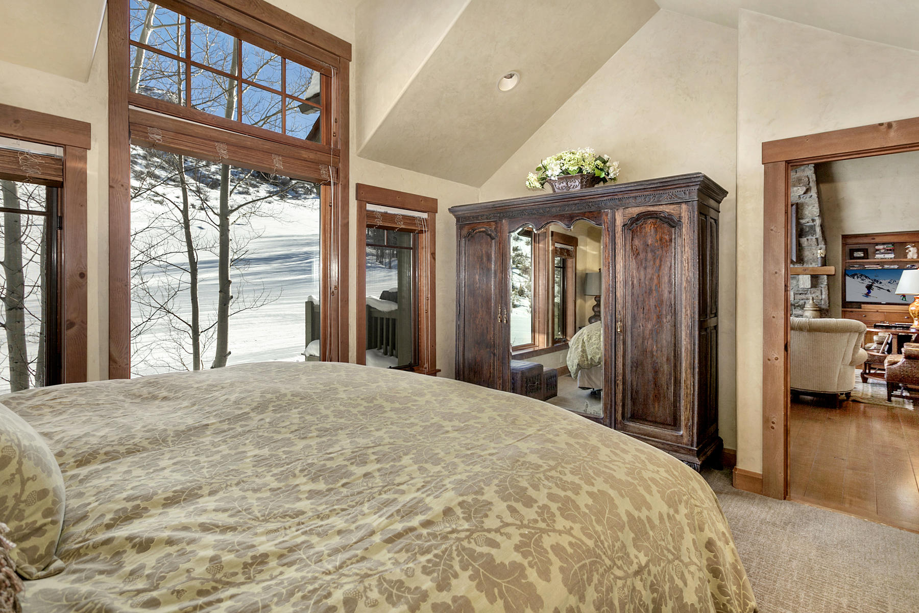Additional photo for property listing at 348 Cresta Road  Edwards, Colorado 81632 United States