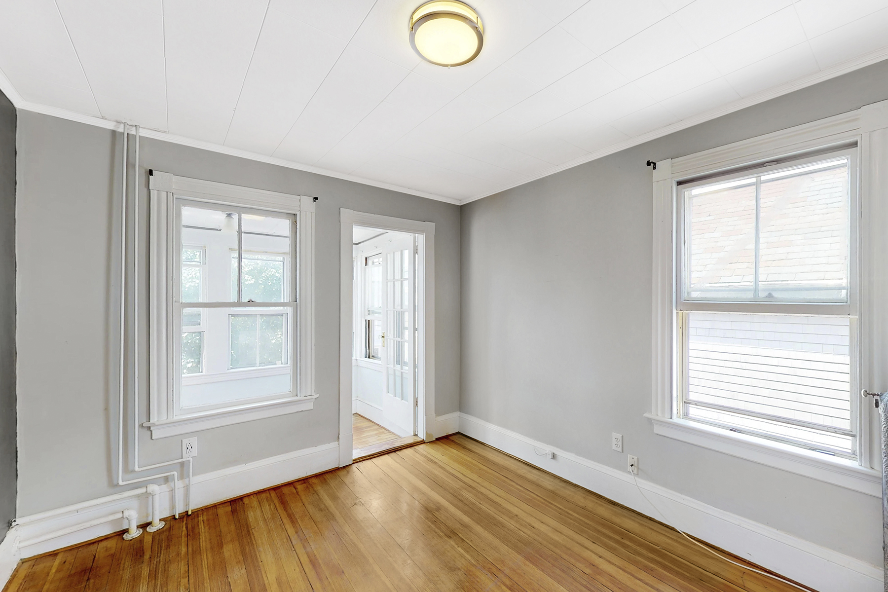Additional photo for property listing at Fifth Ward Multi-Family 16 Vaughan Avenue Newport, Rhode Island 02840 United States