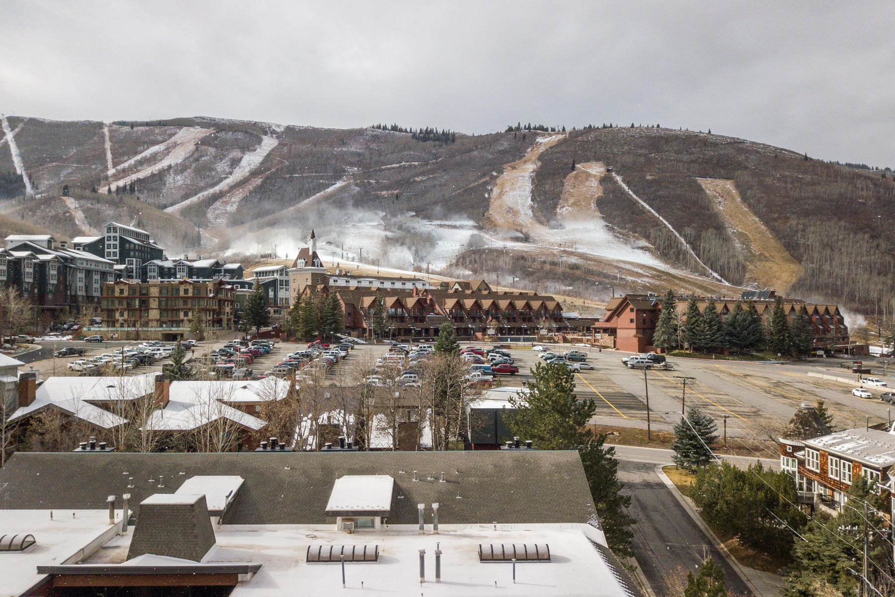 Additional photo for property listing at Location, Location, Location! 1375 Woodside Ave #102 Park City, Utah 84060 United States