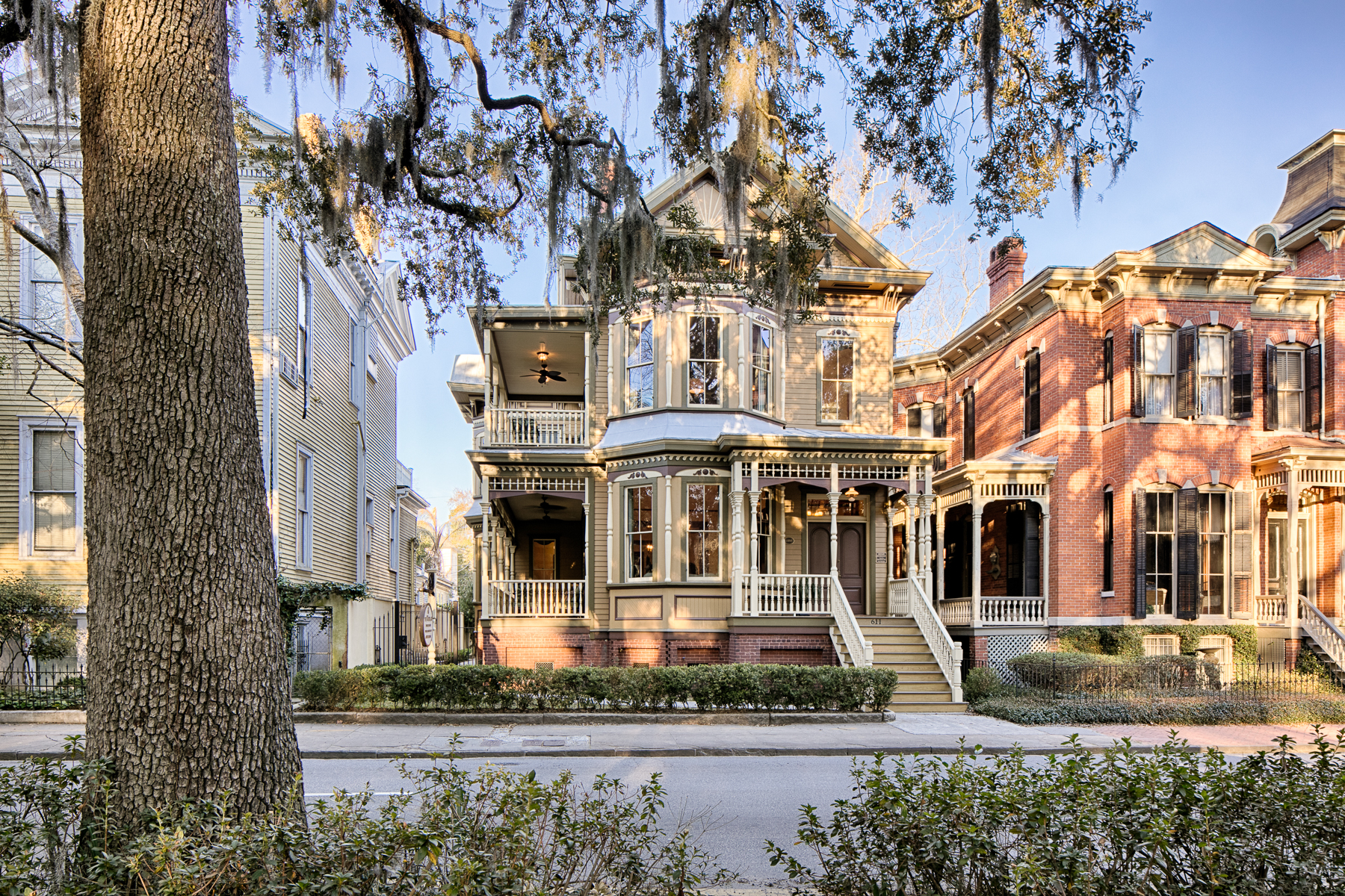 Single Family Home for Sale at Crowther Mansion 611 Whitaker Street Savannah, Georgia 31401 United States