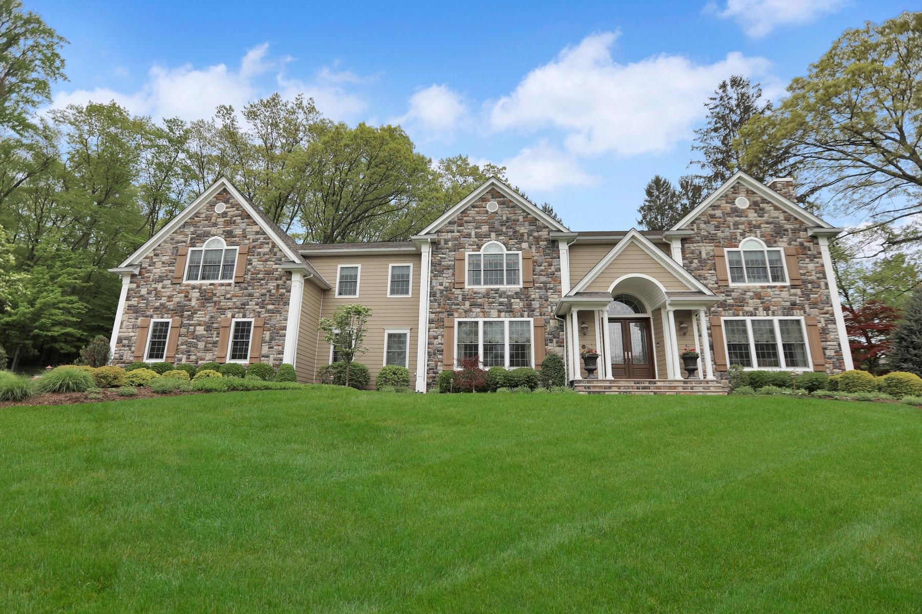 Single Family Homes för Försäljning vid Custom Built Luxury Home 20 Lilline Lane, Upper Saddle River, New Jersey 07458 Förenta staterna