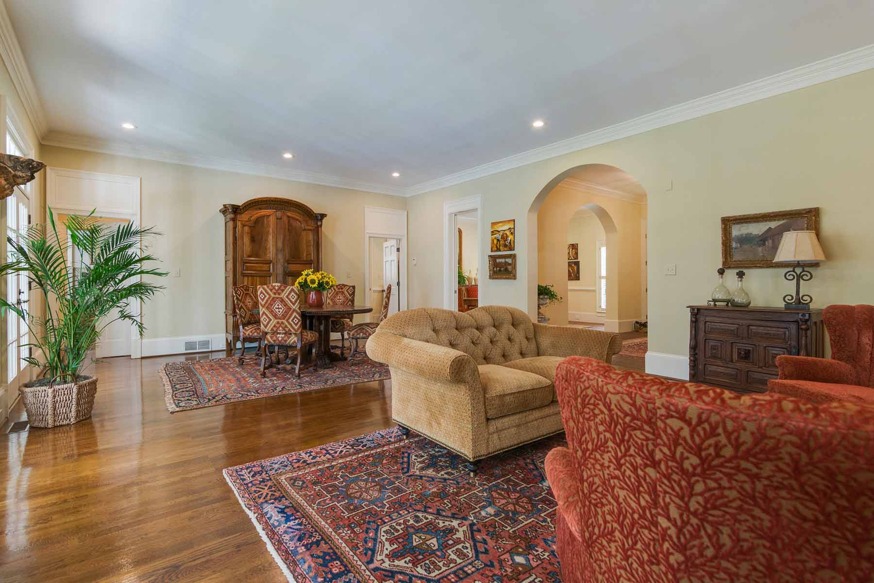 Additional photo for property listing at Exceptional Vinings Masterpiece 4345 Brookview Drive SE Atlanta, Georgia 30339 United States