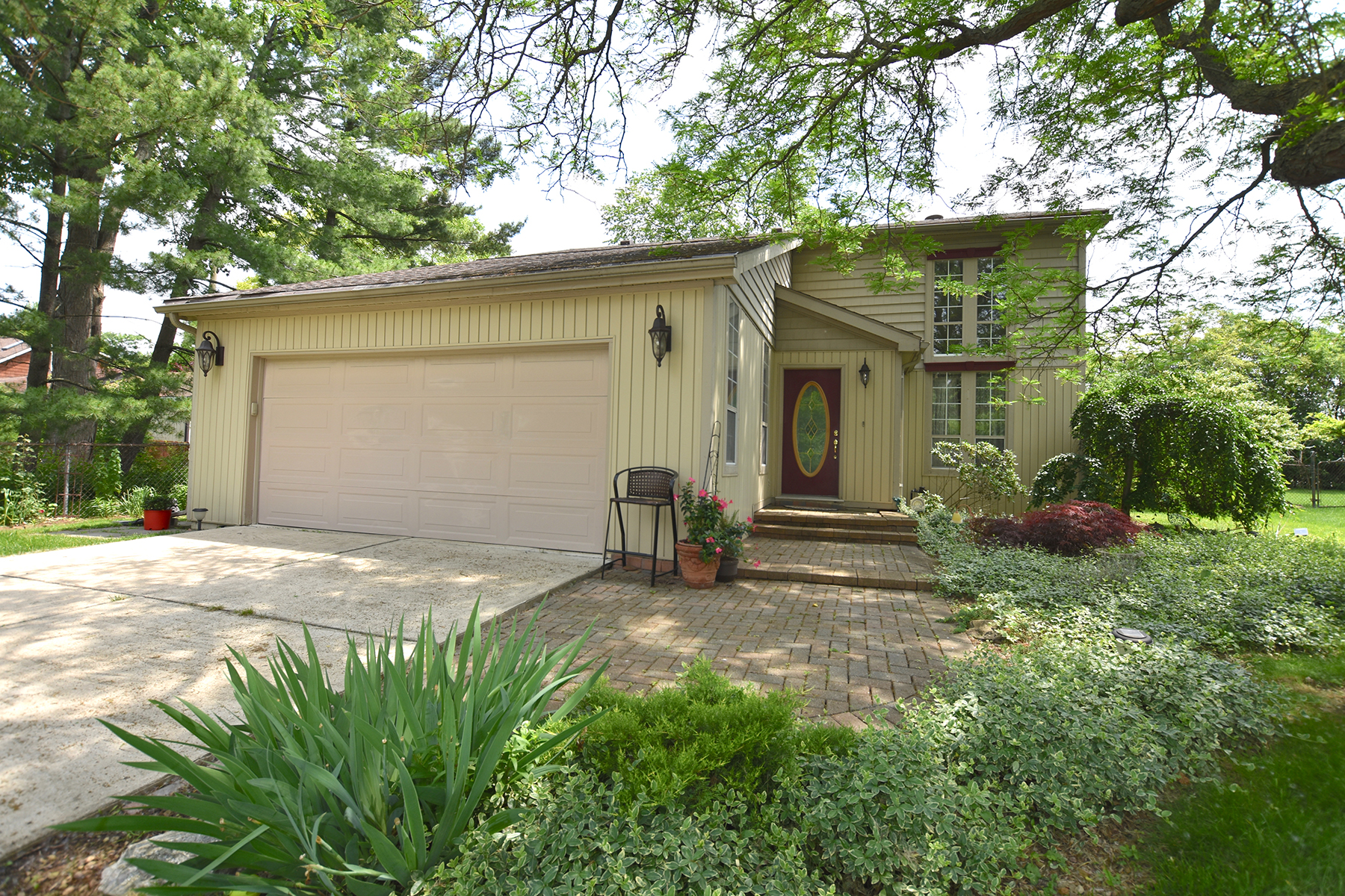 Single Family Homes for Sale at Beverly Hills Village 31820 Allerton Drive Franklin, Michigan 48025 United States
