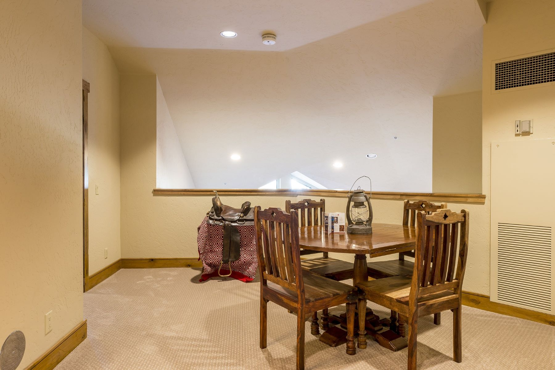 Additional photo for property listing at Penthouse at the Steamboat Grand 1/4 Share Equals 13 Weeks of Use Per Year 2300 Mt. Werner Circle QIIIA & QIIIB Steamboat Springs, Colorado 80487 United States