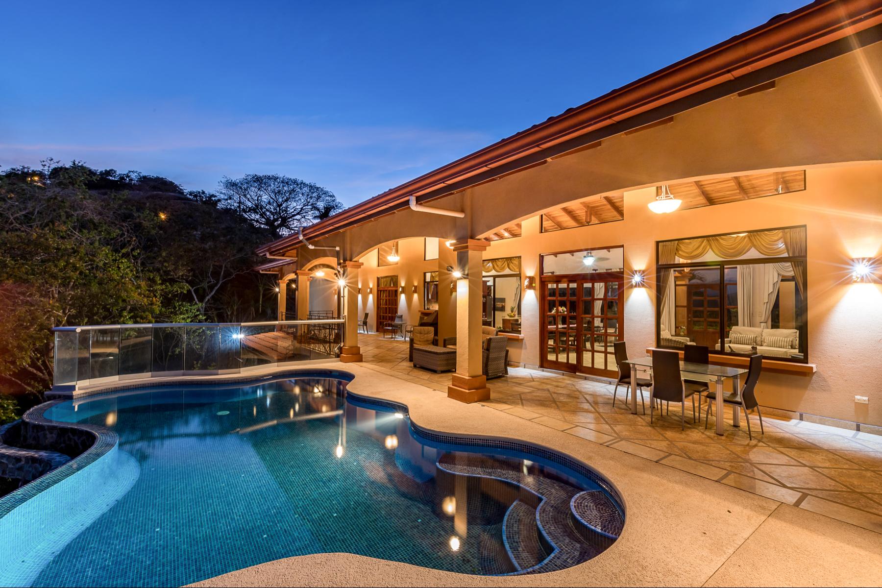 Single Family Homes por un Venta en Prometheus Pool Terrace, Orotina Orotina, Alajuela Costa Rica
