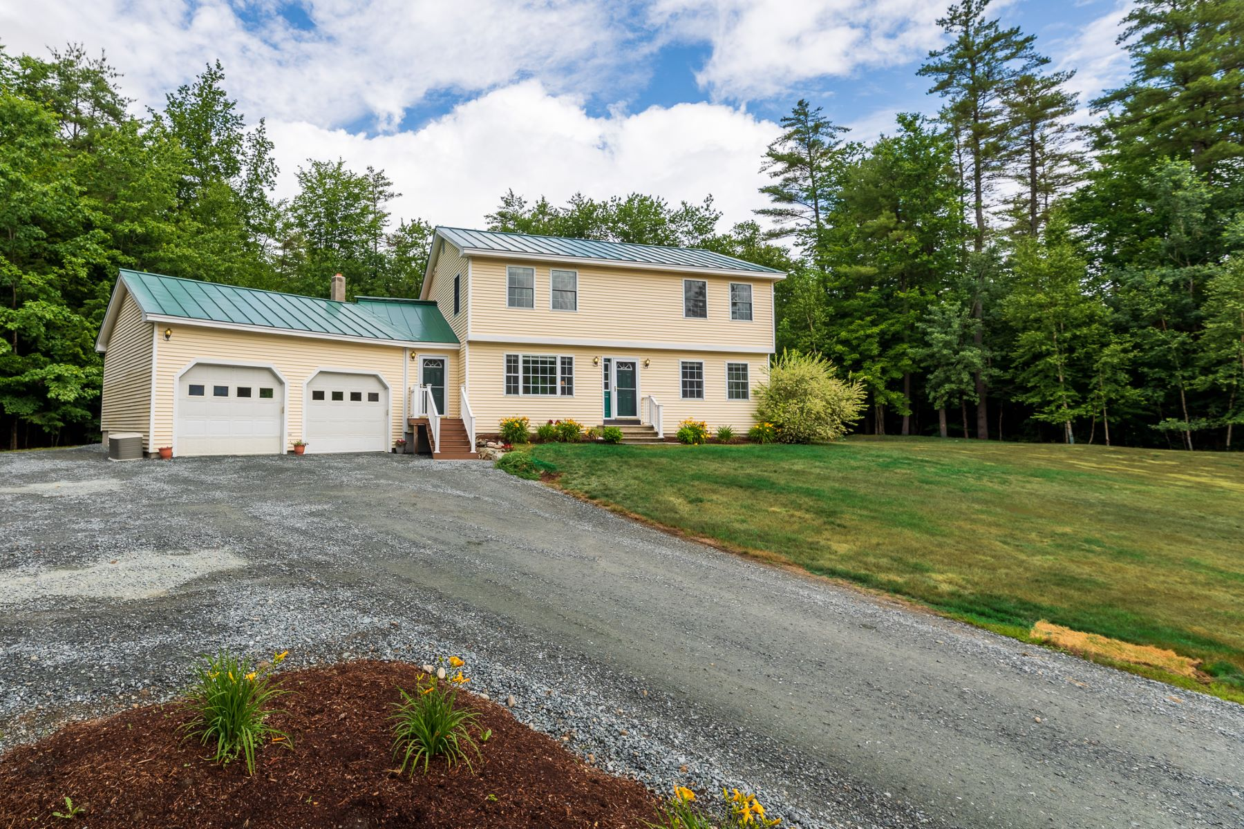 Single Family Homes for Active at Three Bedroom Colonial in Plainfield 610 Route 12a Plainfield, New Hampshire 03781 United States