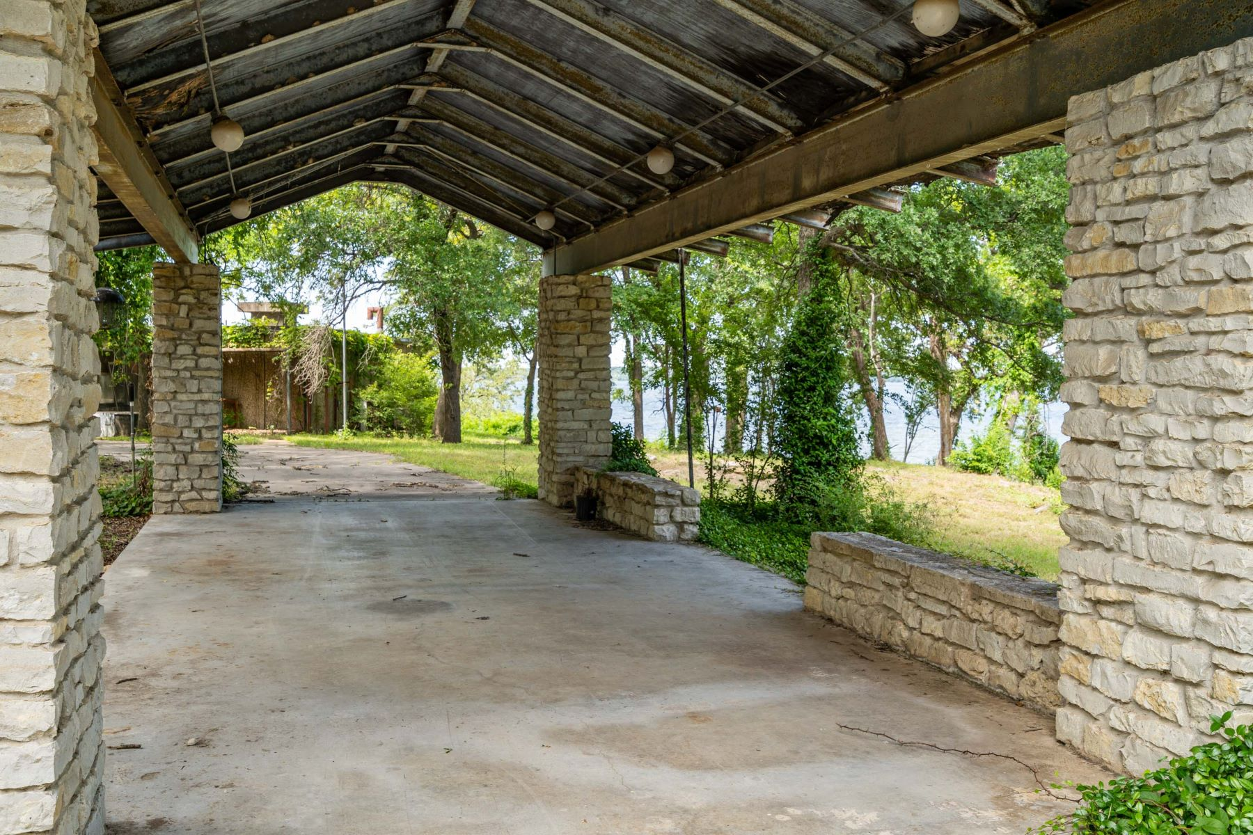 Land for Active at 8069 Anchorage Place Fort Worth, Texas 76135 United States