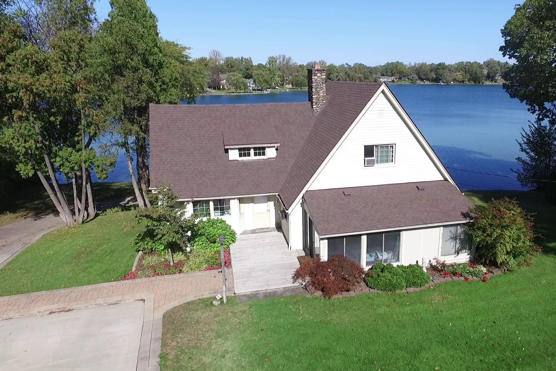 Single Family Home for Sale at West Bloomfield 6390 Commerce Rd West Bloomfield, Michigan 48324 United States