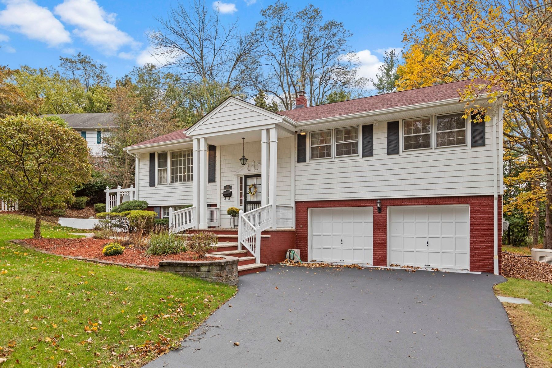 Single Family Homes por un Venta en Welcome to RIdgewood! 786 Arrow Lane Ridgewood, Nueva Jersey 07450 Estados Unidos