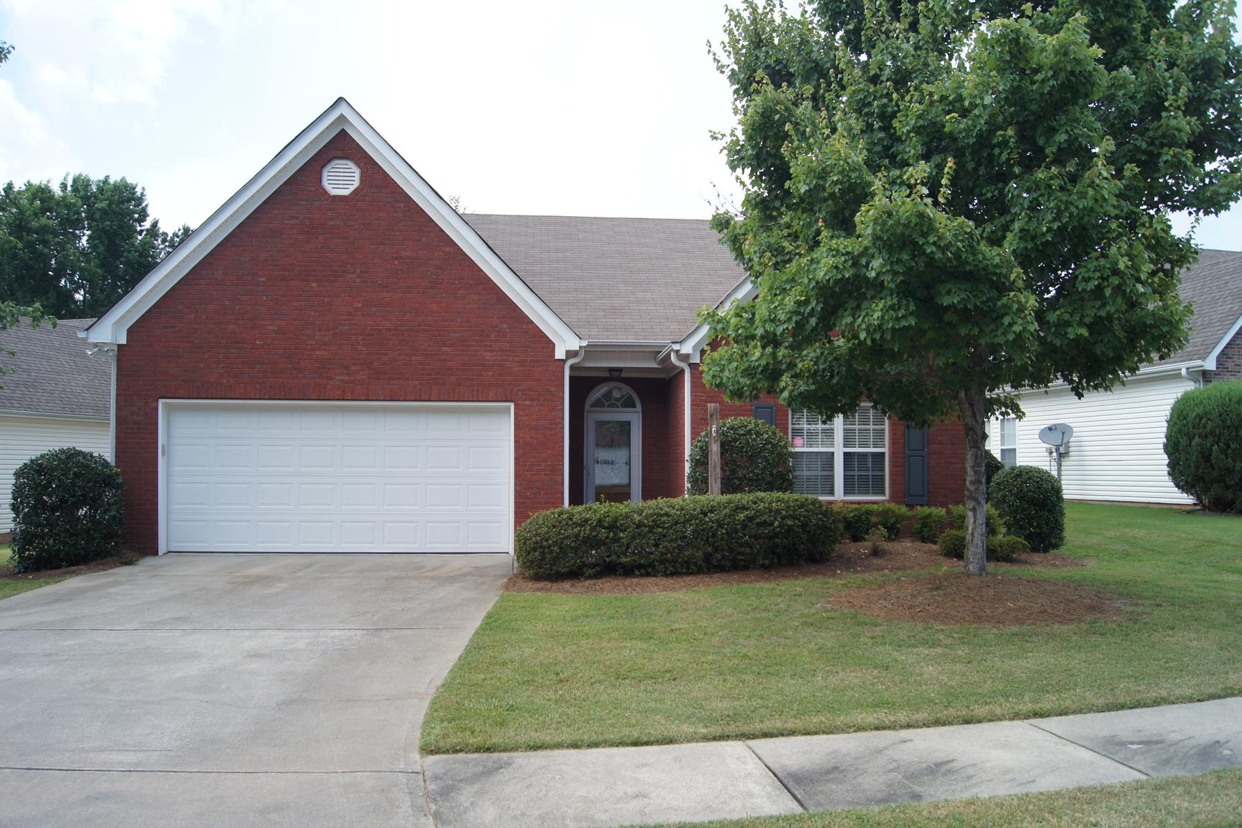 Maison unifamiliale pour l à louer à Like-New Rental in Fayetteville 125 Kaylee Court Fayetteville, Georgia 30214 États-Unis
