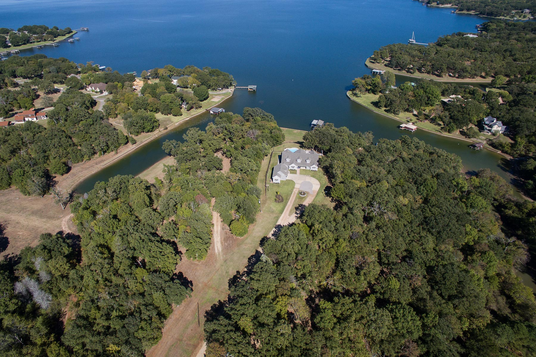 Single Family Home for Sale at Stunning Richland Chambers Lake Estate 14339 Azure Lane Streetman, Texas 75859 United States