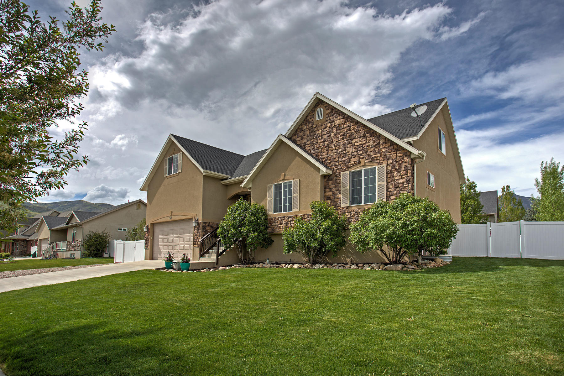 Villa per Vendita alle ore Charming Midway Home With Stunning Views 54 West 350 South Midway, Utah, 84049 Stati Uniti