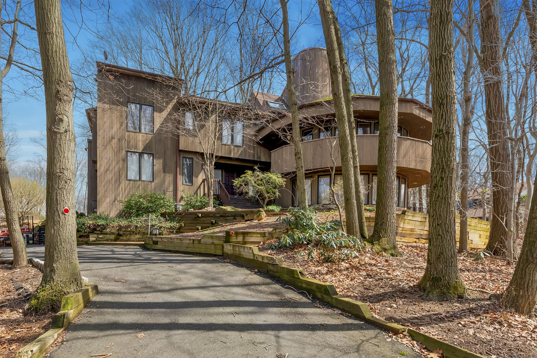 Single Family Home for Sale at 36 Stoney Brook Road Holmdel, New Jersey 07733 United States