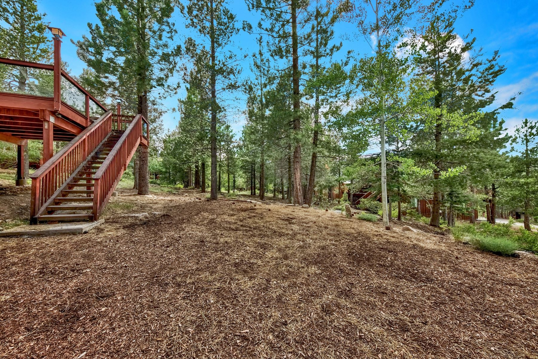 Additional photo for property listing at 12464 Snowpeak Way, Truckee, CA 96161 12464 Snowpeak Way Truckee, California 96161 United States