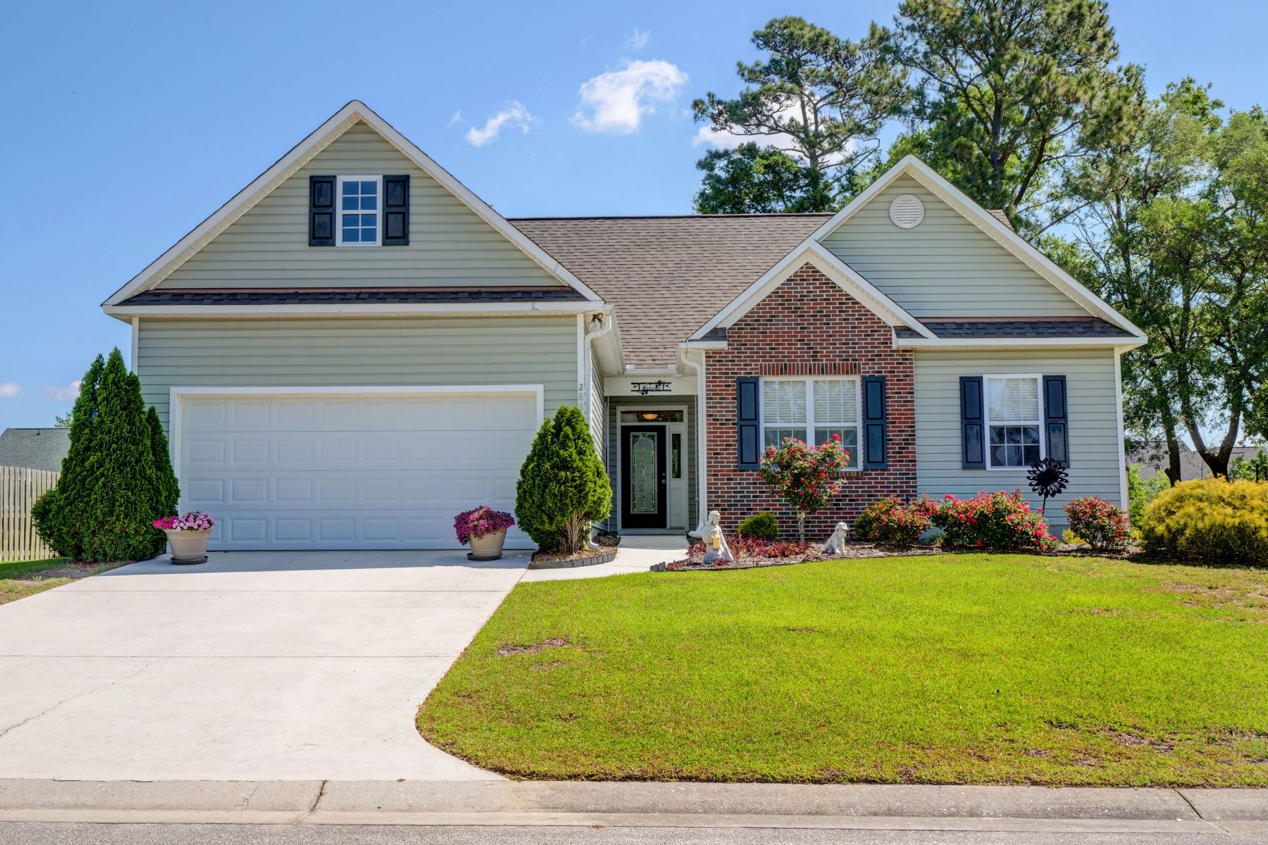 Single Family Homes for Active at Charming Ranch Style Home 286 Emerald Drive Hampstead, North Carolina 28443 United States