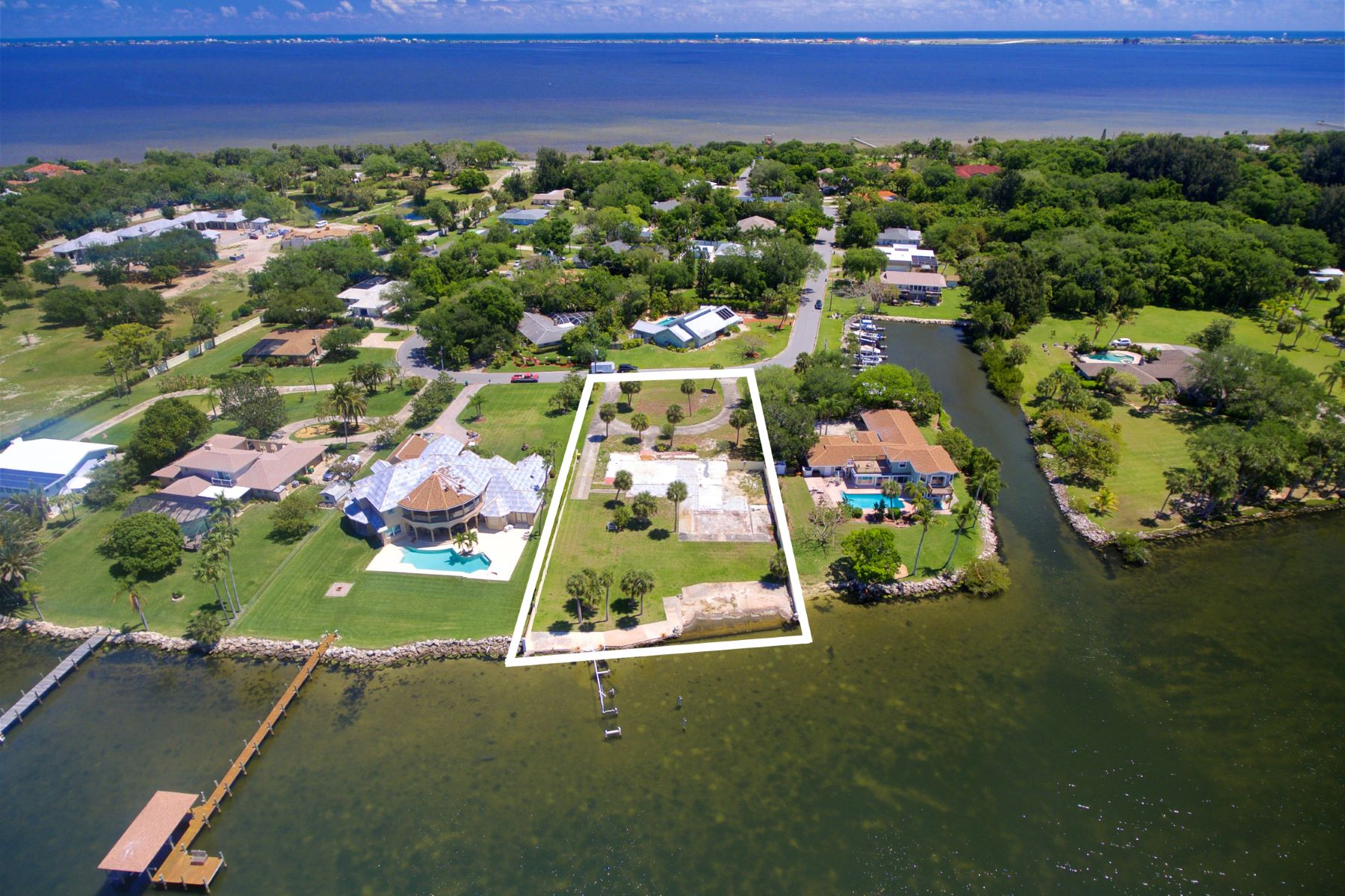 Additional photo for property listing at Premium Waterfront Homesite in Convenient and Manicured Tequesta Harbor 196 Tequesta Harbor Drive Merritt Island, Florida 32952 United States
