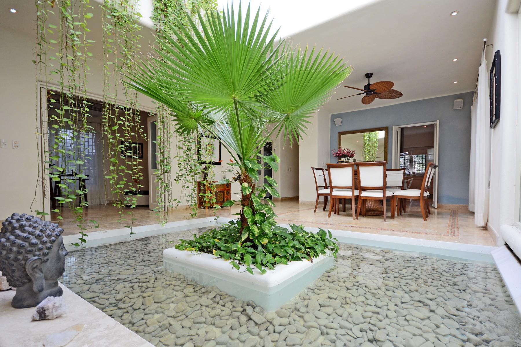 Additional photo for property listing at SERENITY HOME Retorno Copán Condominio Club Real Mza 22, C 73 Playa Del Carmen, Quintana Roo 777 México