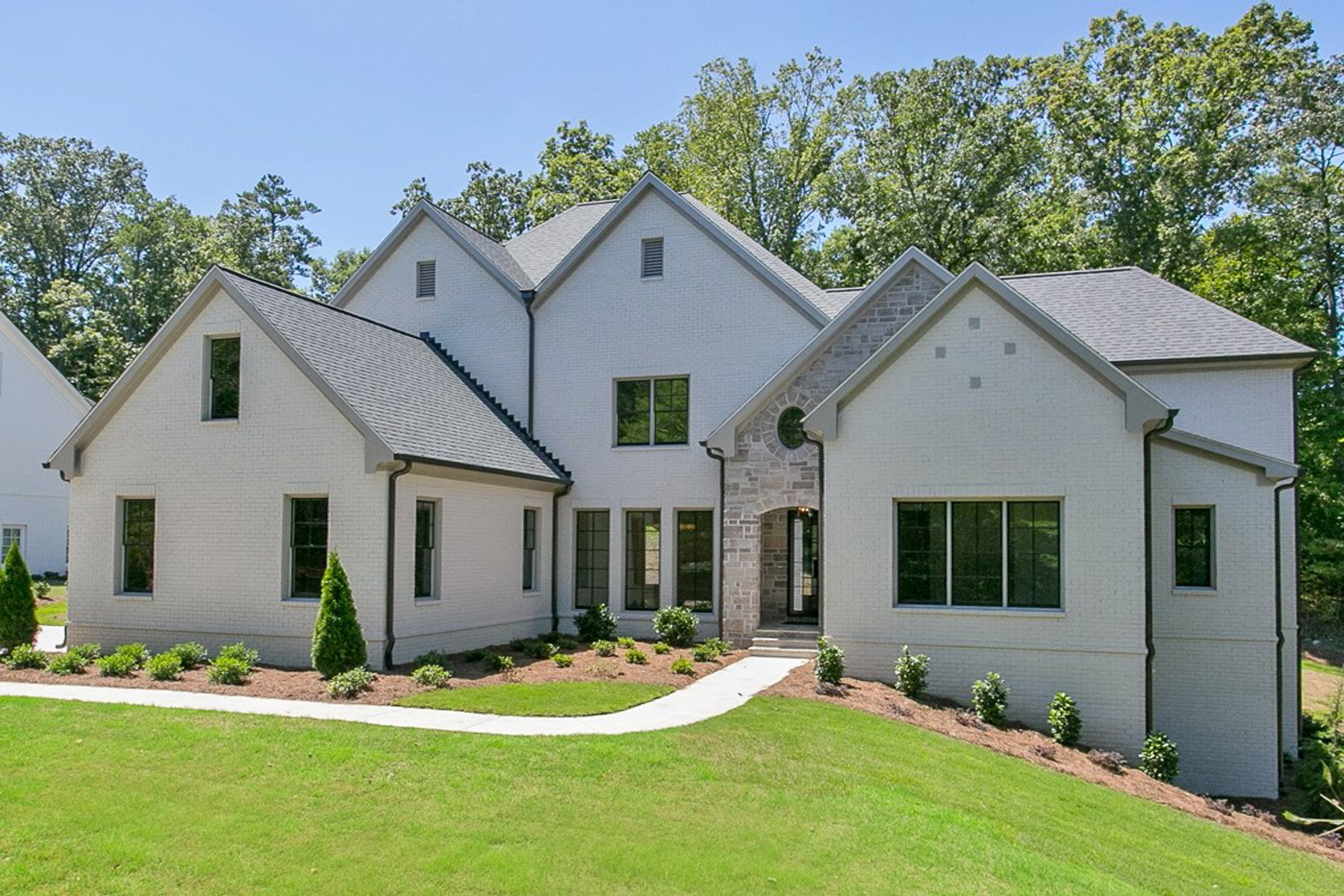 Single Family Homes por un Venta en Elegant New Home in Governors Towne Club Blends In-Town Style and Sophistication 4281 Governors Towne Drive NW, Acworth, Georgia 30101 Estados Unidos