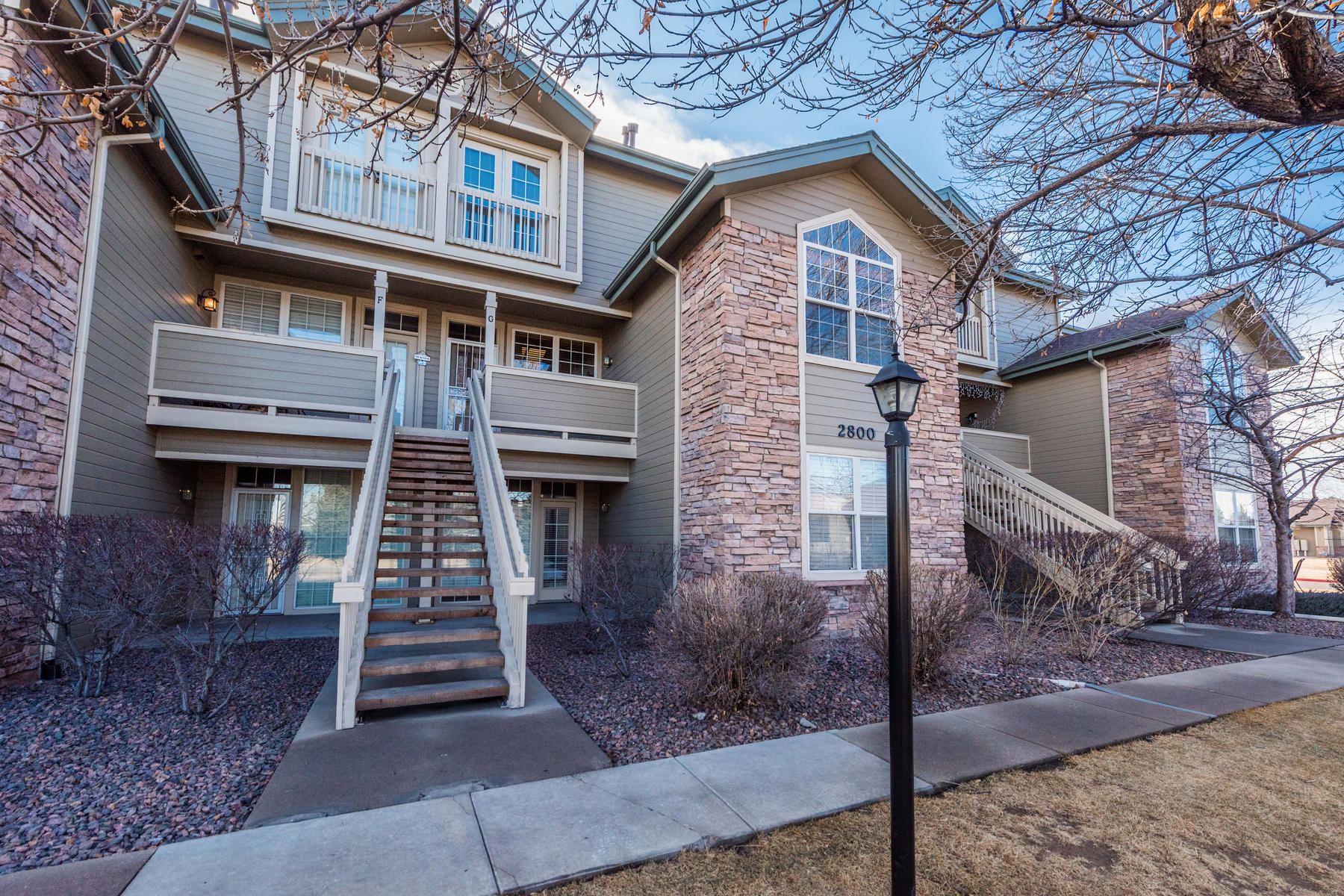 Additional photo for property listing at Wonderful Two Bedroom Plus Loft Penthouse Condo 2800 West Centennial Drive Unit G Littleton, Colorado 80123 United States