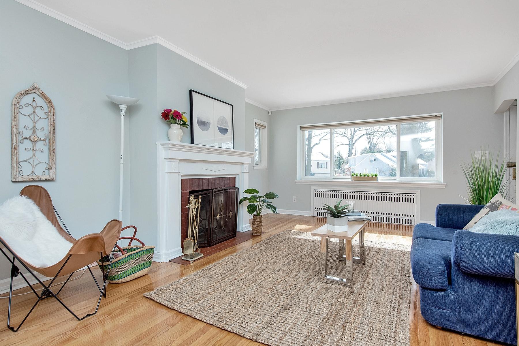 Enfamiljshus för Försäljning vid A Dream Home 70 Chestnut Hill Place, Glen Ridge, New Jersey 07028 Förenta staterna
