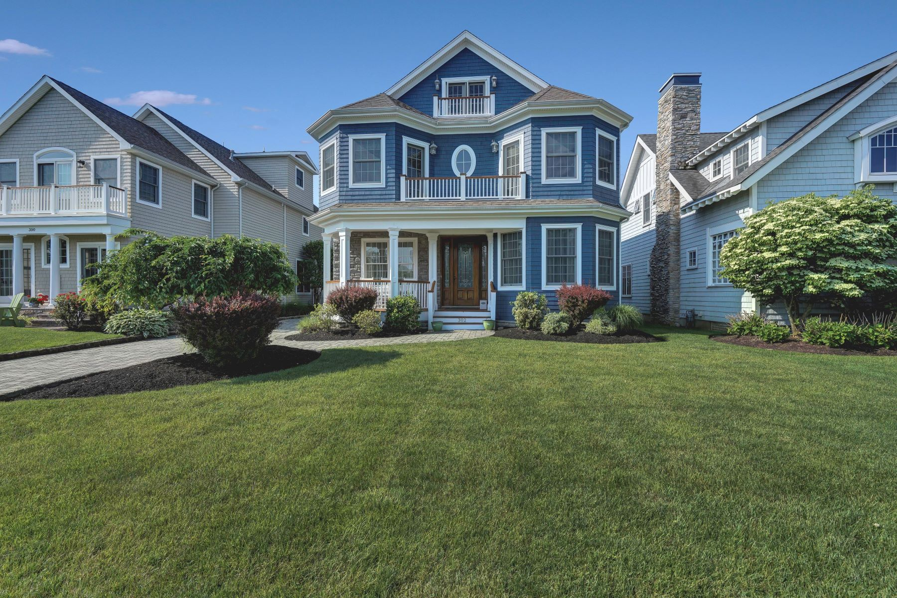 Single Family Homes for Sale at Casual Elegance 302 Beacon Boulevard, Sea Girt, New Jersey 08750 United States
