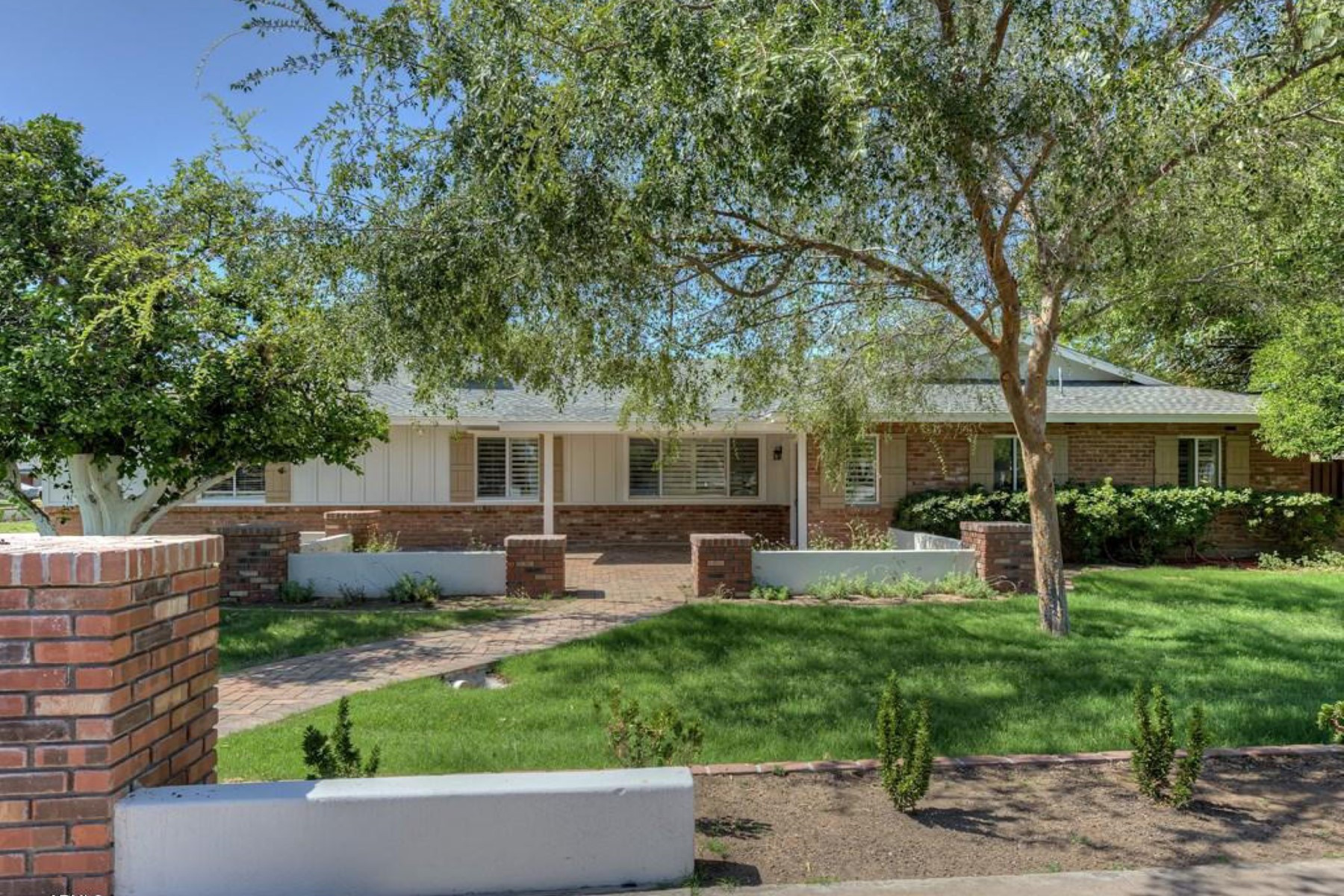 단독 가정 주택 용 매매 에 Great Single Level Ranch Home in the Heart of Arcadia 6139 E Calle Del Media Scottsdale, 아리조나, 85251 미국