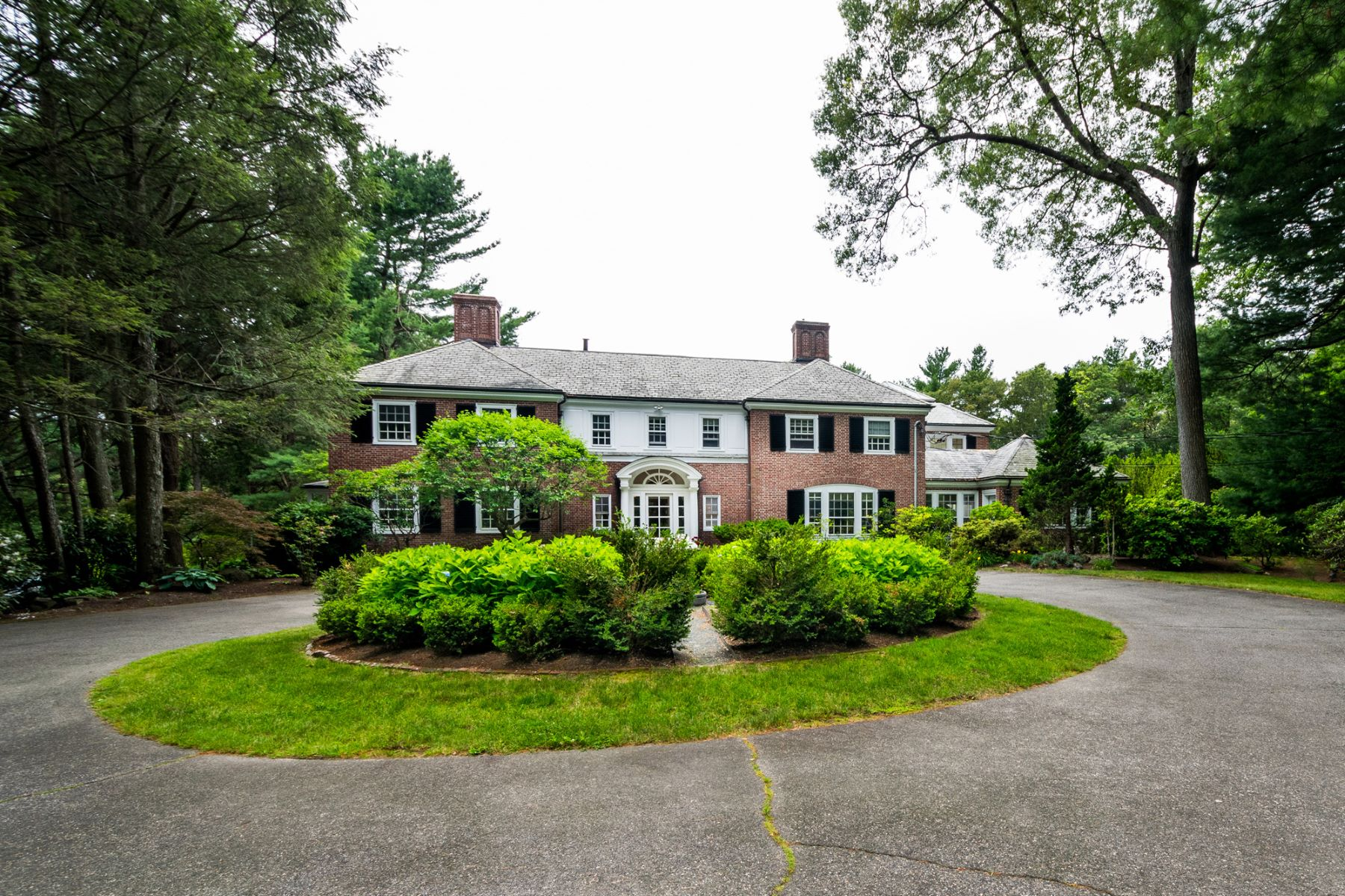 Additional photo for property listing at 244 Dudley Road, Newton 244 Dudley Rd Newton, Massachusetts 02459 United States