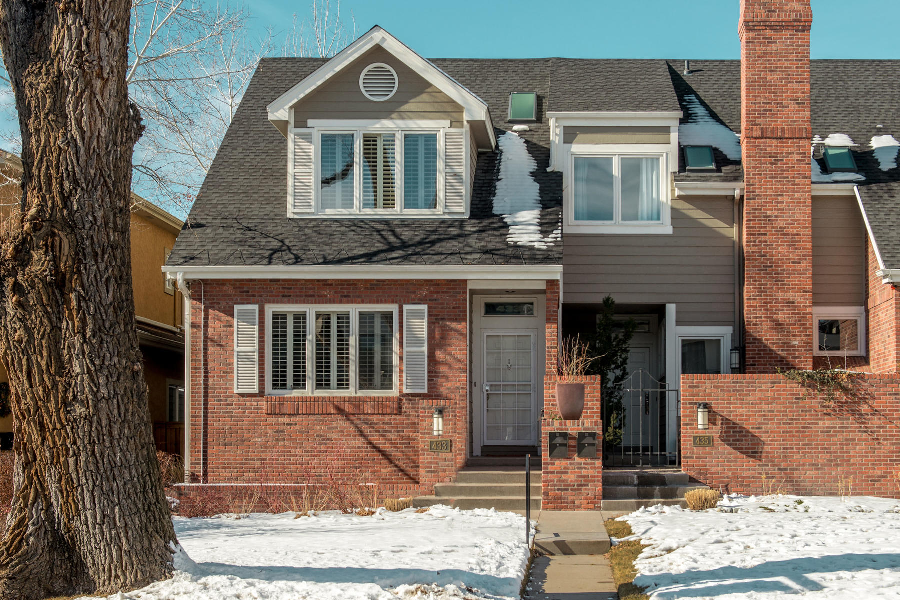 Townhouse for Active at Perfect Floor Plan Combines with an Ideal Location 433 Garfield St Denver, Colorado 80206 United States