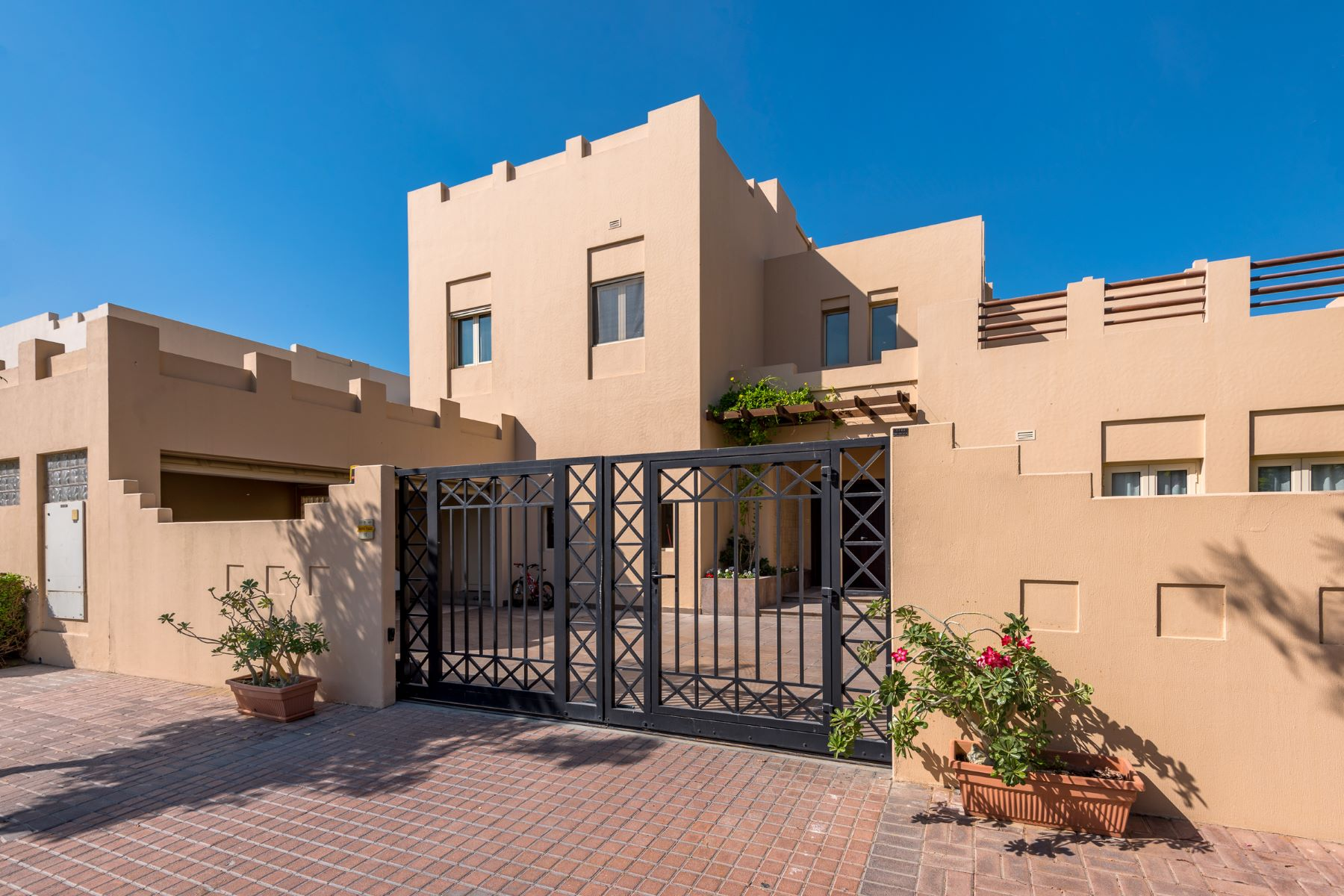 Single Family Home for Sale at Meadows 8 Hattan L1 Other Dubai, United Arab Emirates