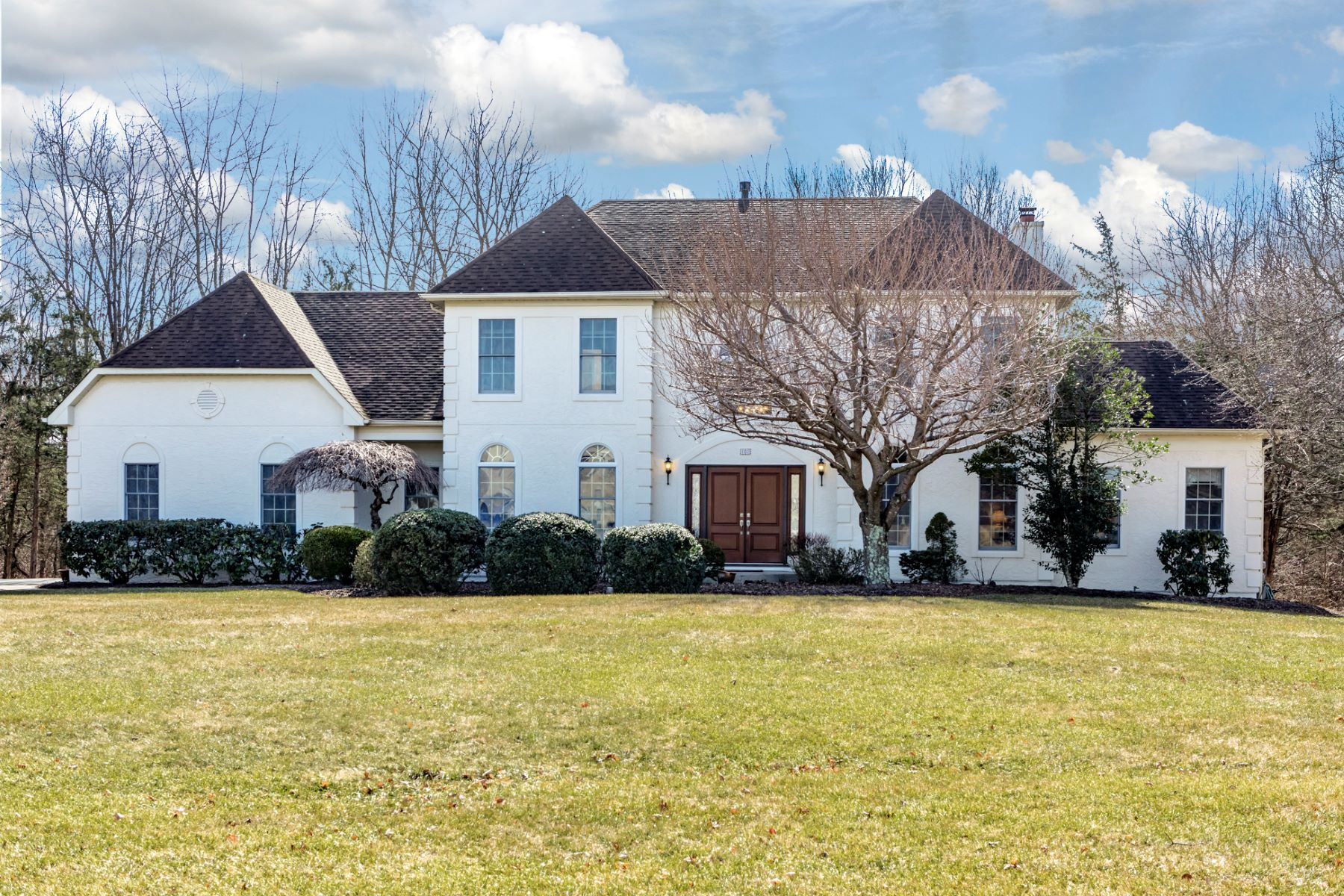 Single Family Home for Sale at Sun Soaked And Stately 102 Montfort Drive, Belle Mead, New Jersey 08502 United StatesMunicipality: Montgomery Township