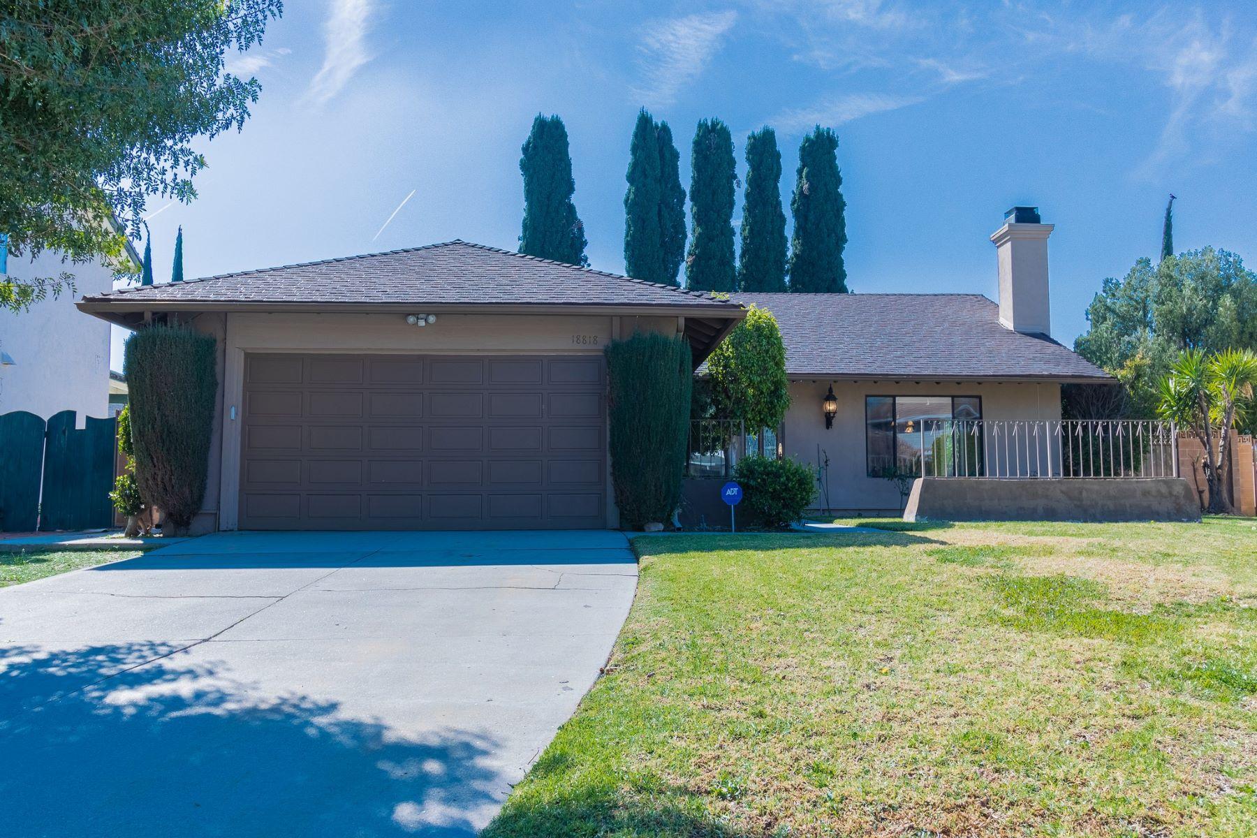 Single Family Homes para Venda às Northridge, Califórnia 91324 Estados Unidos