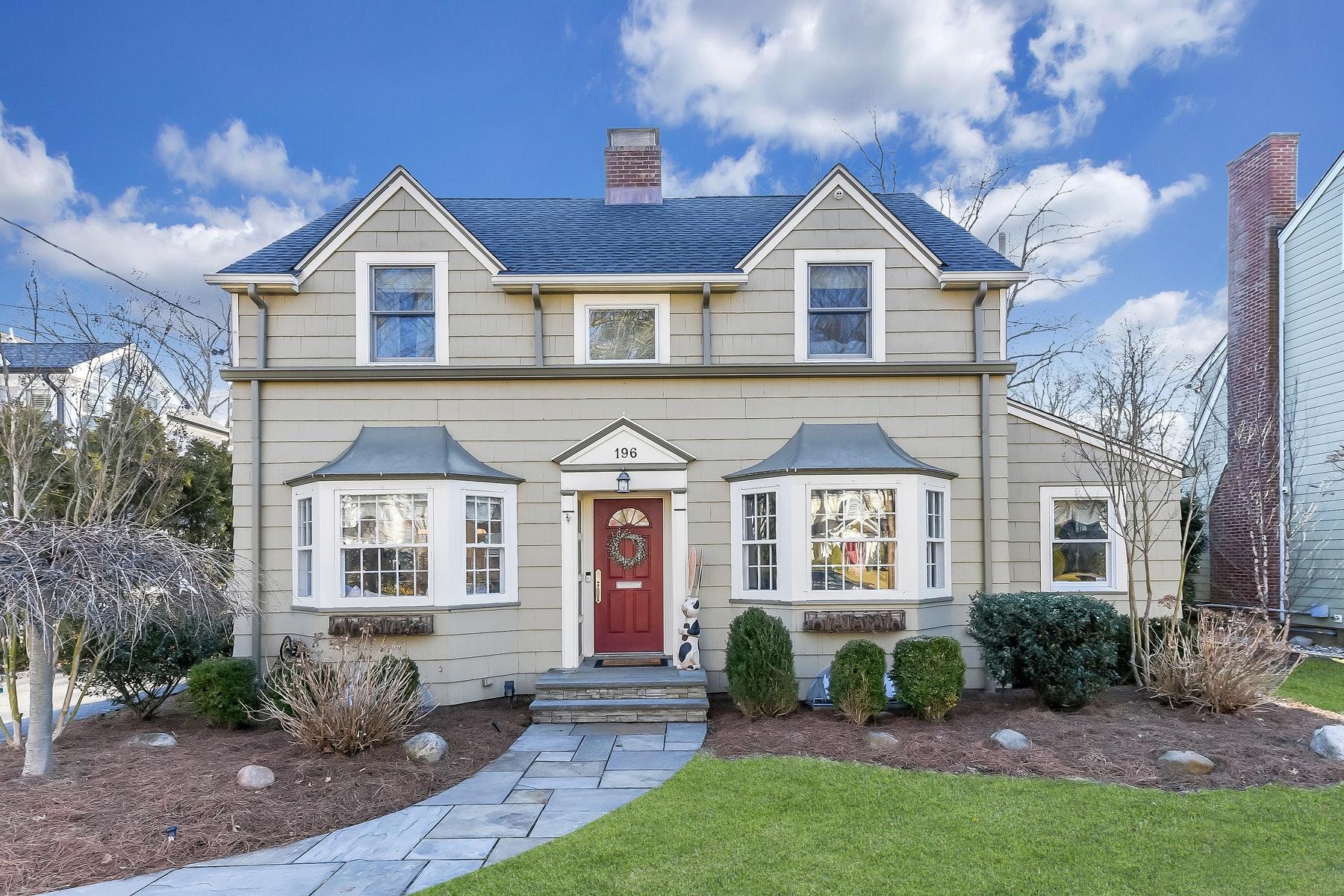 Property 为 销售 在 Hidden Gem! 196 Katherine Road, 里奇伍德, 新泽西州 07450 美国
