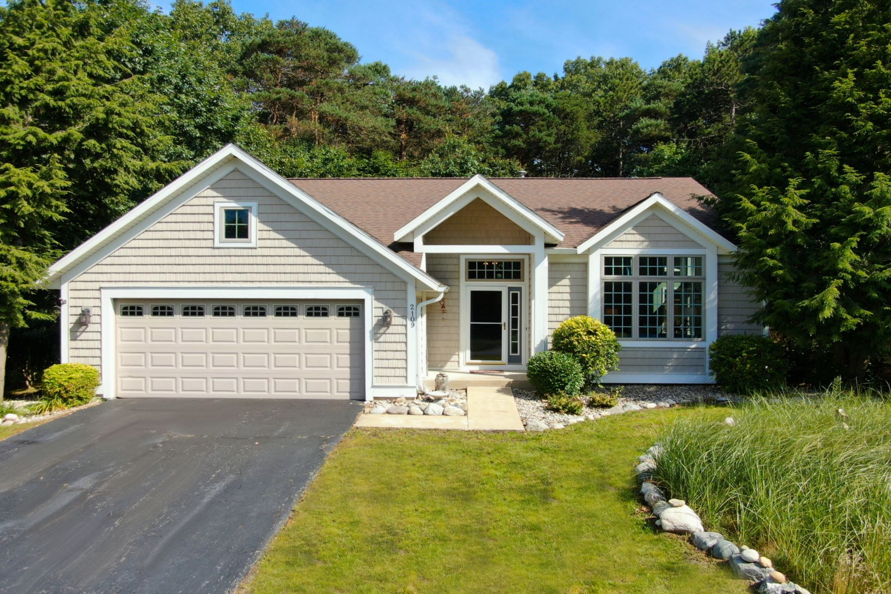 Single Family Homes for Active at Captivating Family Home in Beautiful Location 2109 Breeze Drive Holland, Michigan 49424 United States