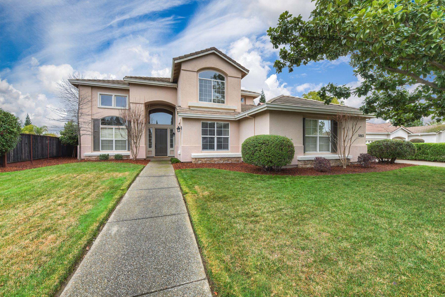 Casa Unifamiliar por un Venta en 5065 Chelshire Downs Rd, Granite Bay, CA 95746 5065 Chelshire Downs Rd Granite Bay, California 95746 Estados Unidos