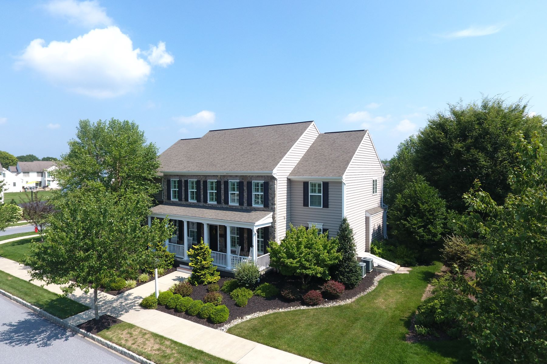Single Family Home for Sale at 1405 Banner Drive 1405 Banner Drive Lancaster, Pennsylvania 17601 United States