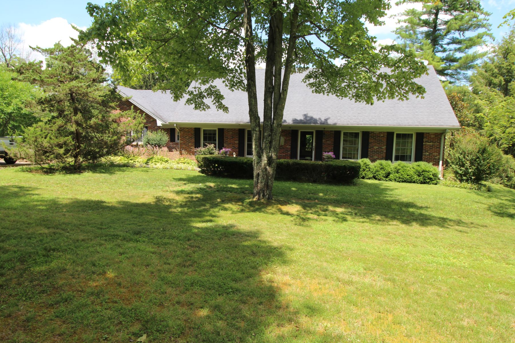 Single Family Homes for Sale at 1542 Talmage-Mayo Road Harrodsburg, Kentucky 40330 United States
