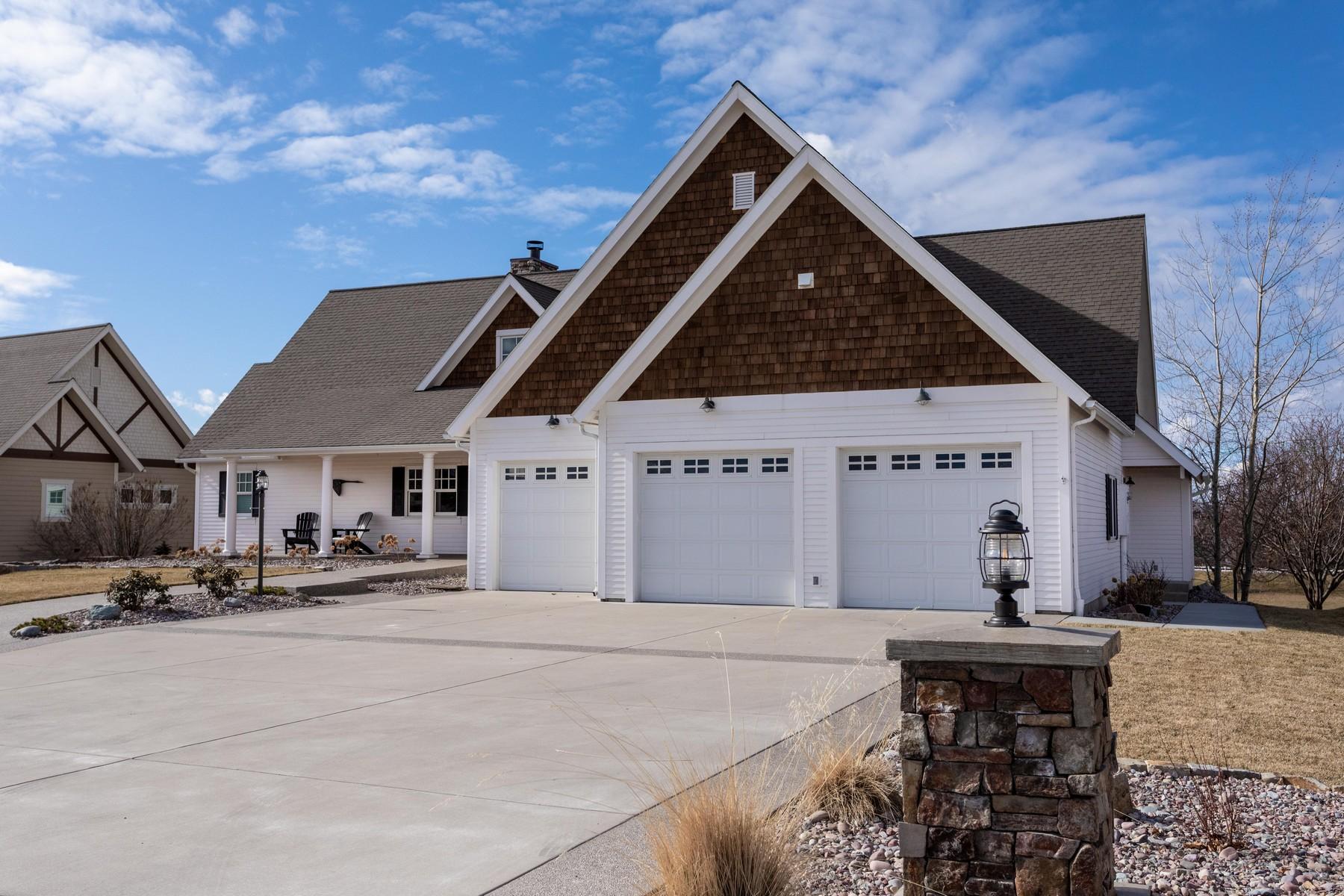 Single Family Homes per Vendita alle ore Polson, Montana 59860 Stati Uniti