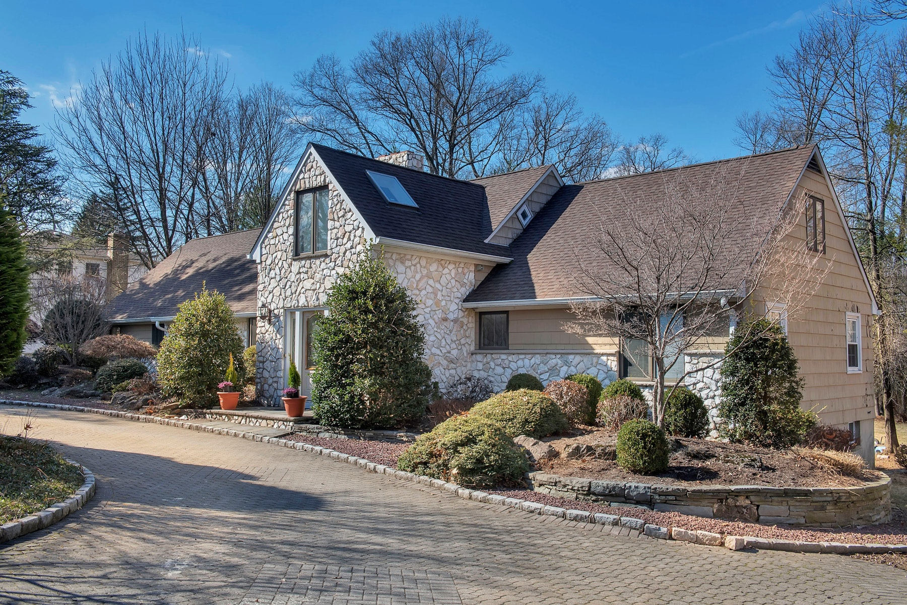 Single Family Home for Sale at Sophisticated Expanded Ranch 141 Summit Road Florham Park, New Jersey 07932 United States