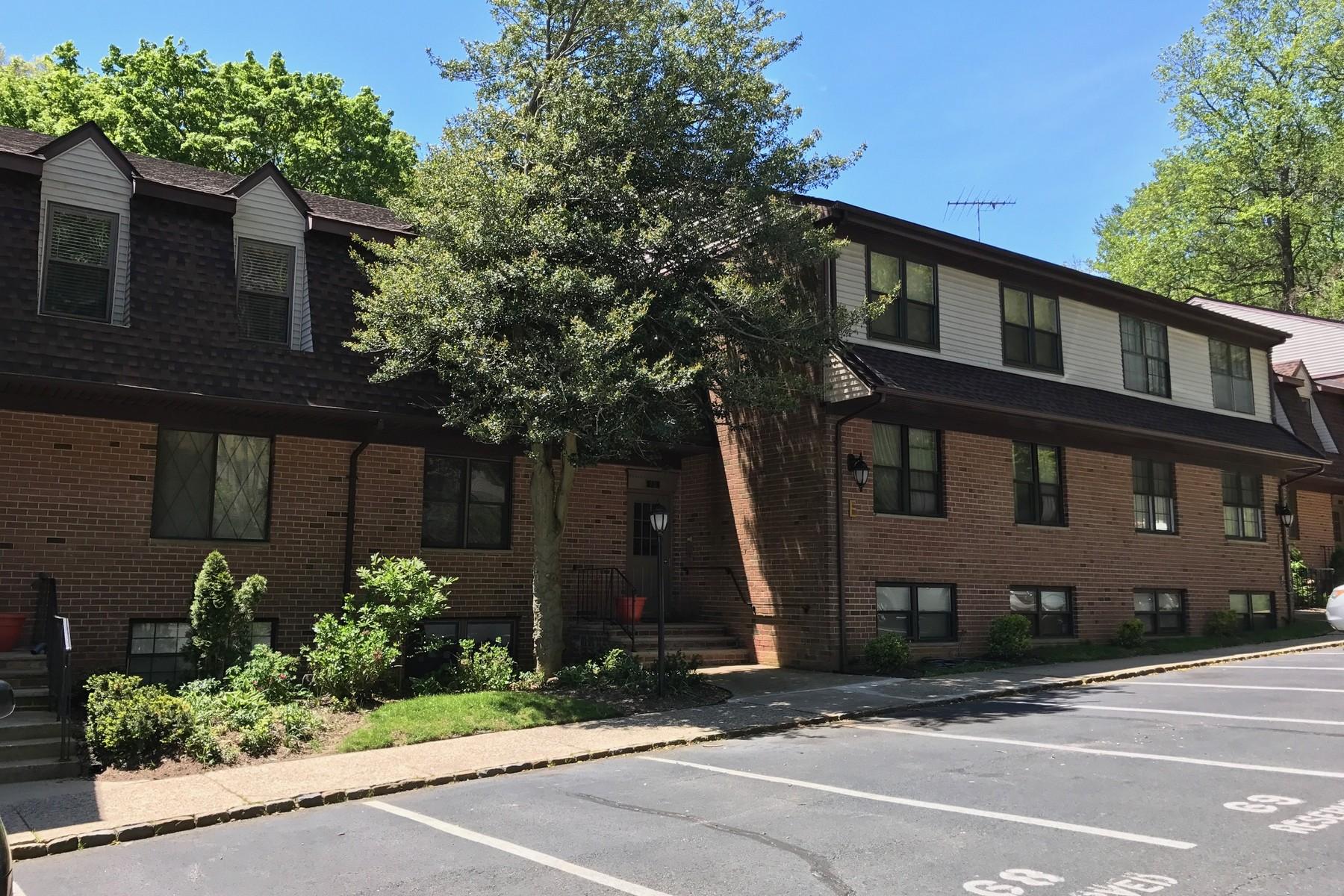 Appartement en copropriété pour l Vente à Highlands Condo 200 Portland Rd E9 Highlands, New Jersey 07732 États-Unis