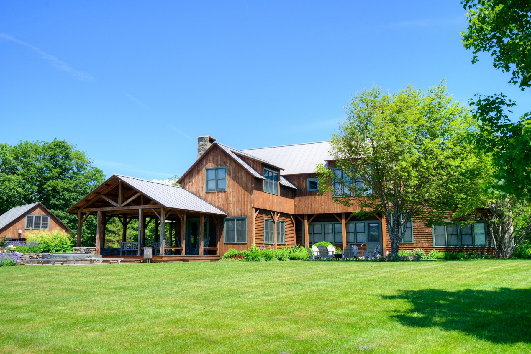 Single Family Homes for Sale at 122 Jaquith Road Weston, Vermont 05161 United States